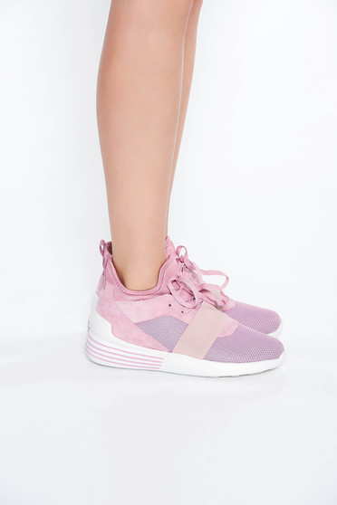 Pink casual low heel sneakers with lace