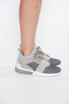 Grey casual low heel sneakers with lace
