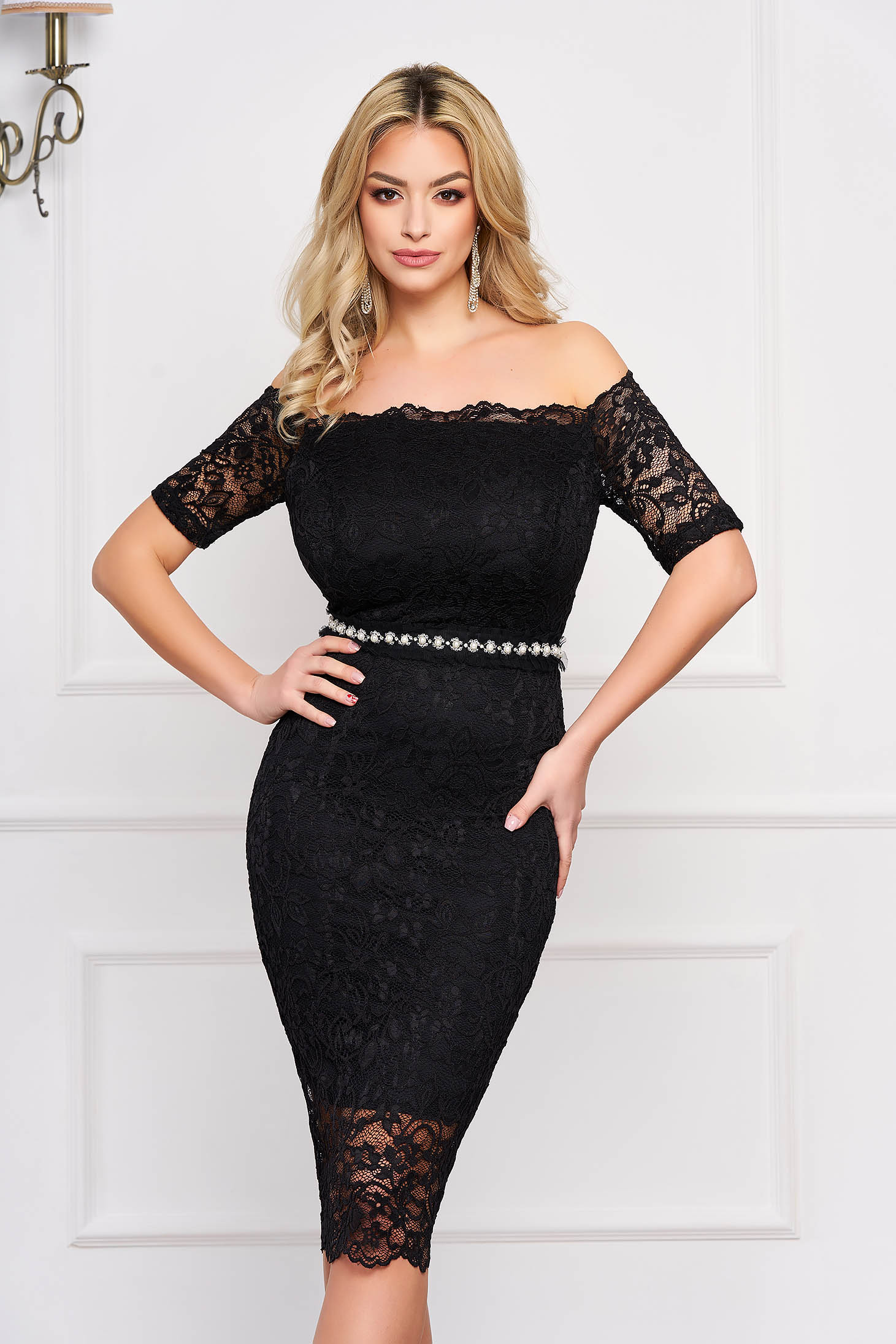 StarShinerS black occasional midi dress with tented cut from laced fabric with inside lining accessorized with tied waistband