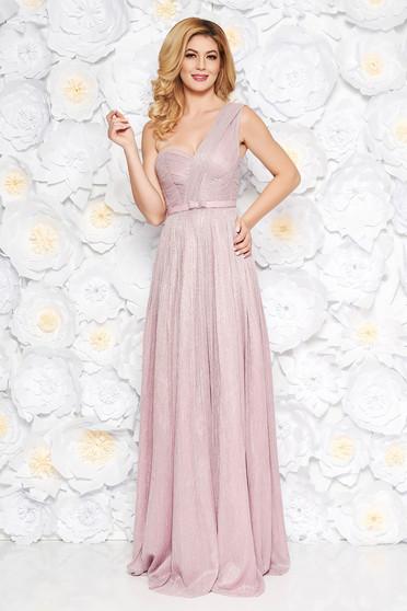 Ana Radu lightpink luxurious dress with inside lining accessorized with tied waistband shimmery metallic fabric cloche