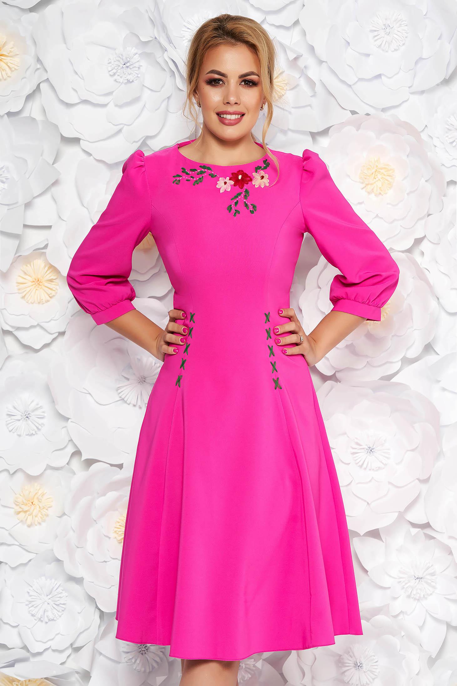 b7247f6ac3 Fukszia LaDonna elegáns hímzett harang ruha enyhén elasztikus szövet  háromnegyedes ujjakkal
