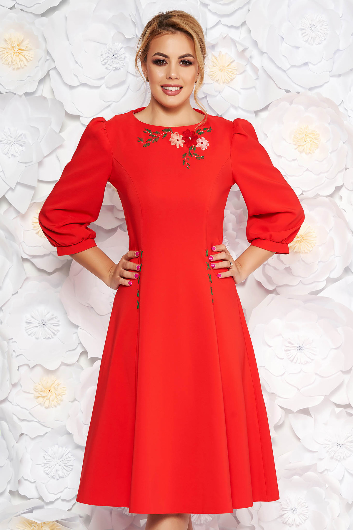 Rochie LaDonna rosie eleganta brodata in clos din stofa usor elastica cu maneci trei-sferturi