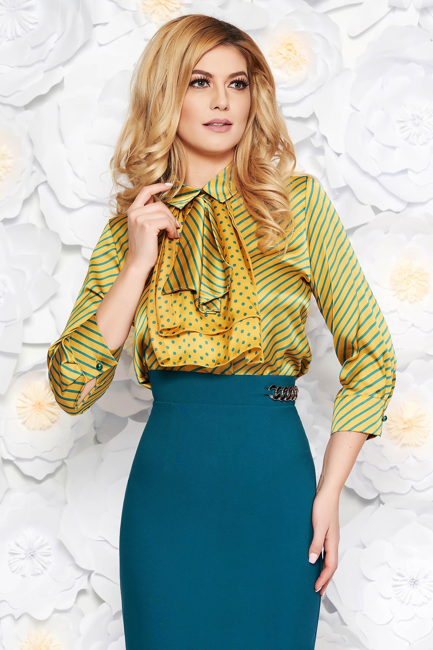 Bluza dama PrettyGirl mustarie eleganta cu croi larg din material satinat cu guler tip esarfa