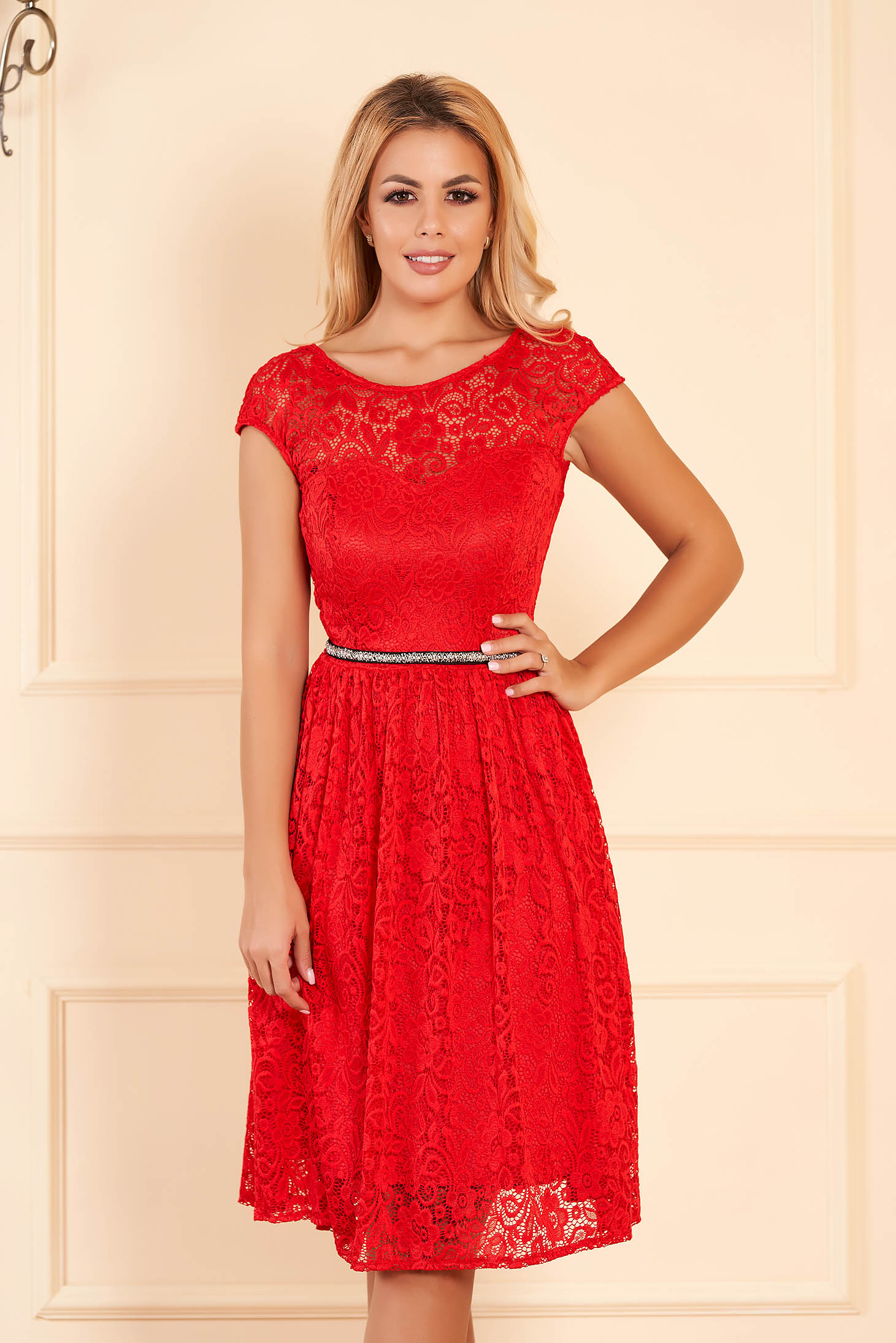 StarShinerS red elegant cloche dress from laced fabric with inside lining accessorized with tied waistband