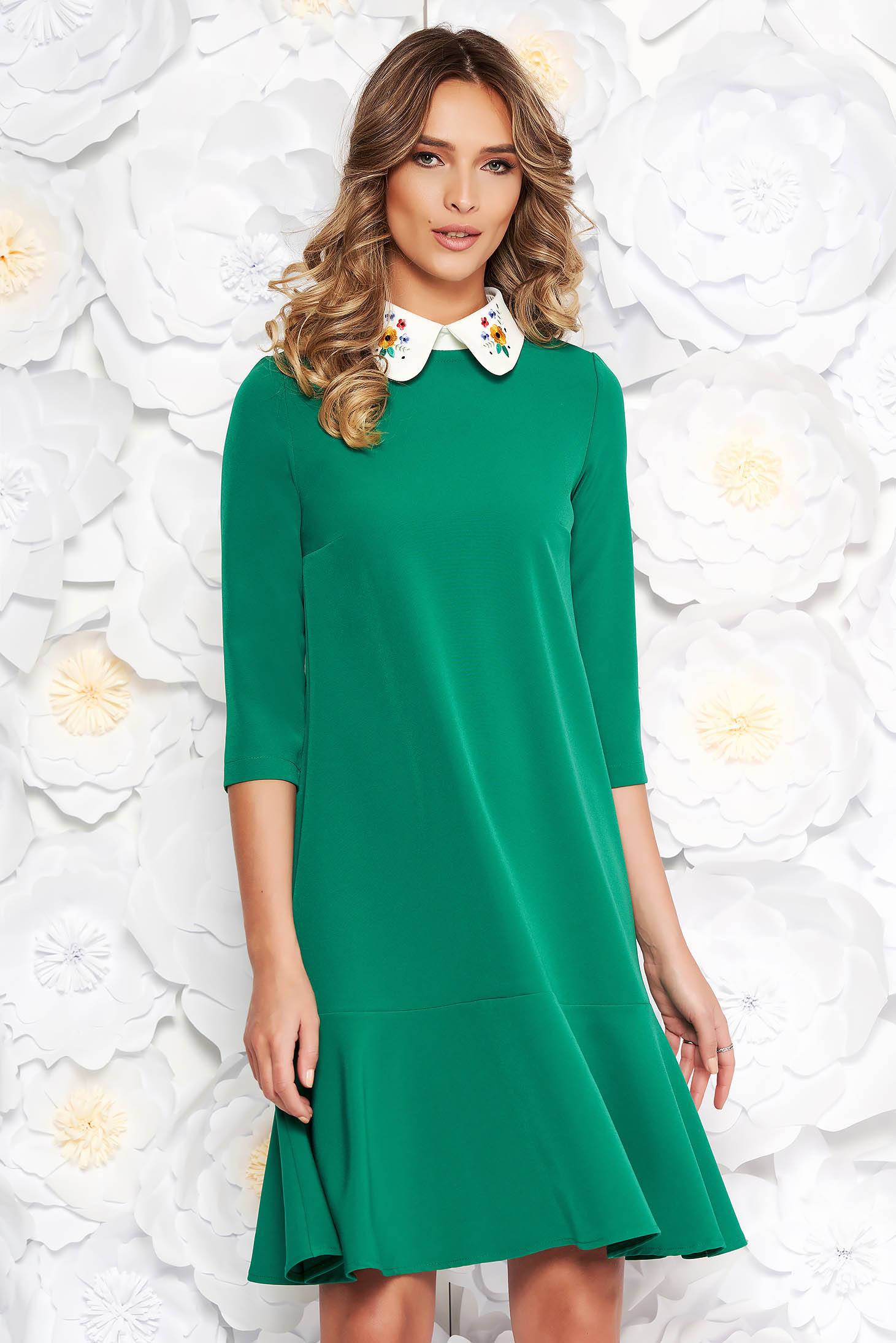 StarShinerS green elegant flared dress slightly elastic fabric with round collar embroidered
