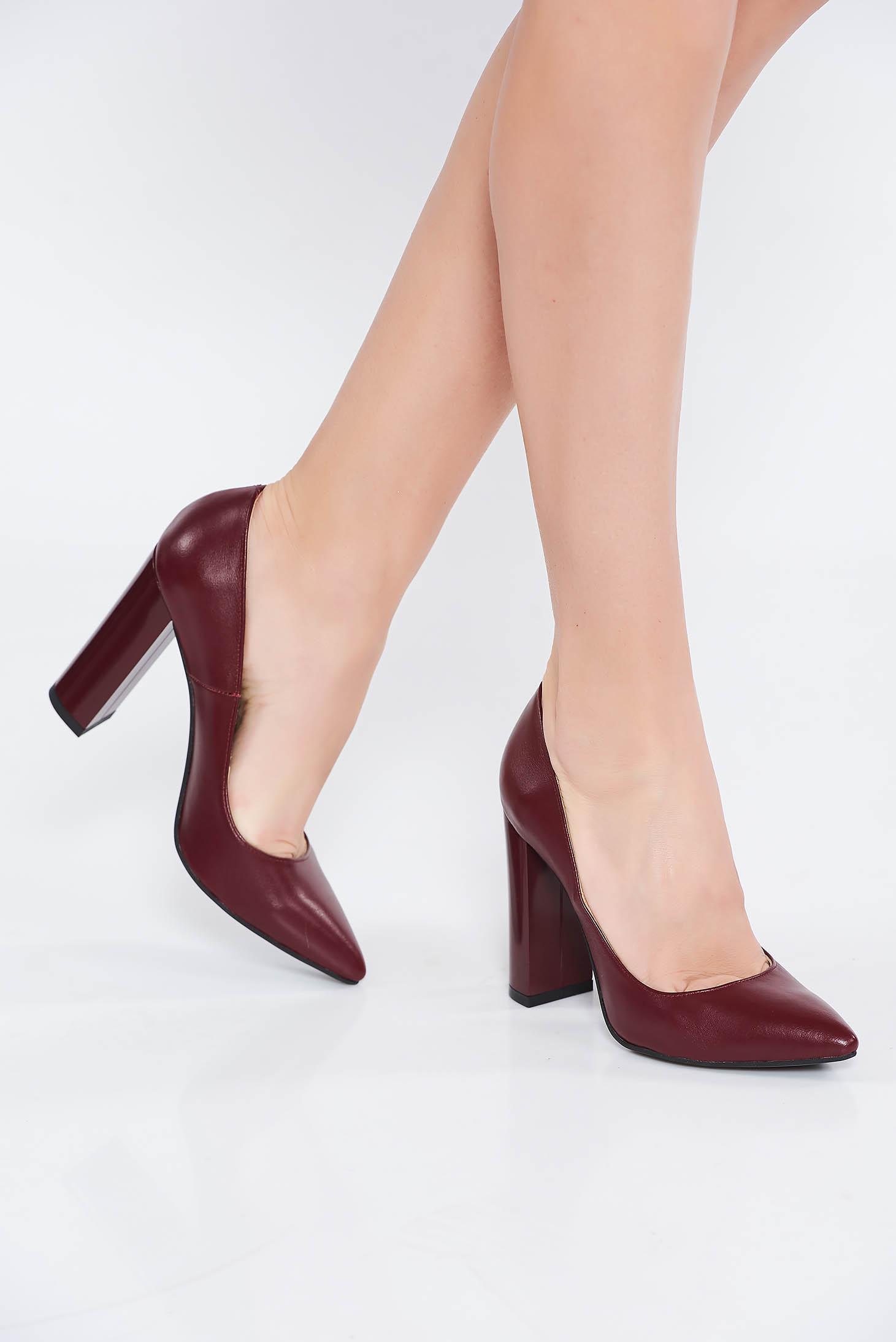 Pantofi visiniu office din piele naturala cu toc gros si varful usor ascutit