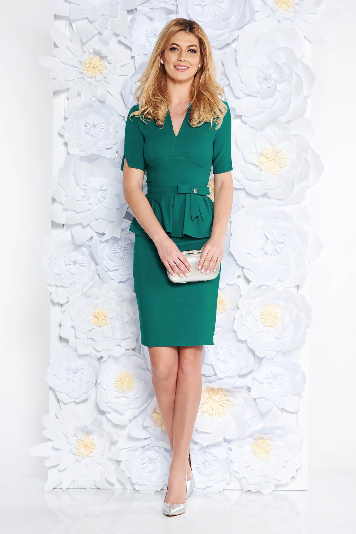 Rochie PrettyGirl verde eleganta midi tip creion cu peplum din stofa usor elastica captusita pe interior