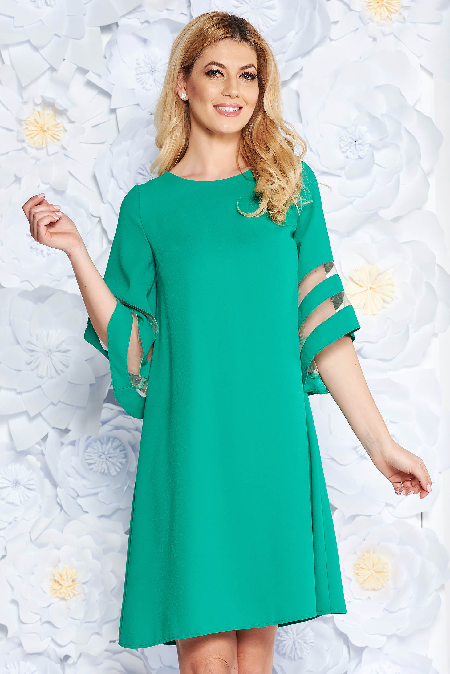 Green dress elegant flared from non elastic fabric large sleeves