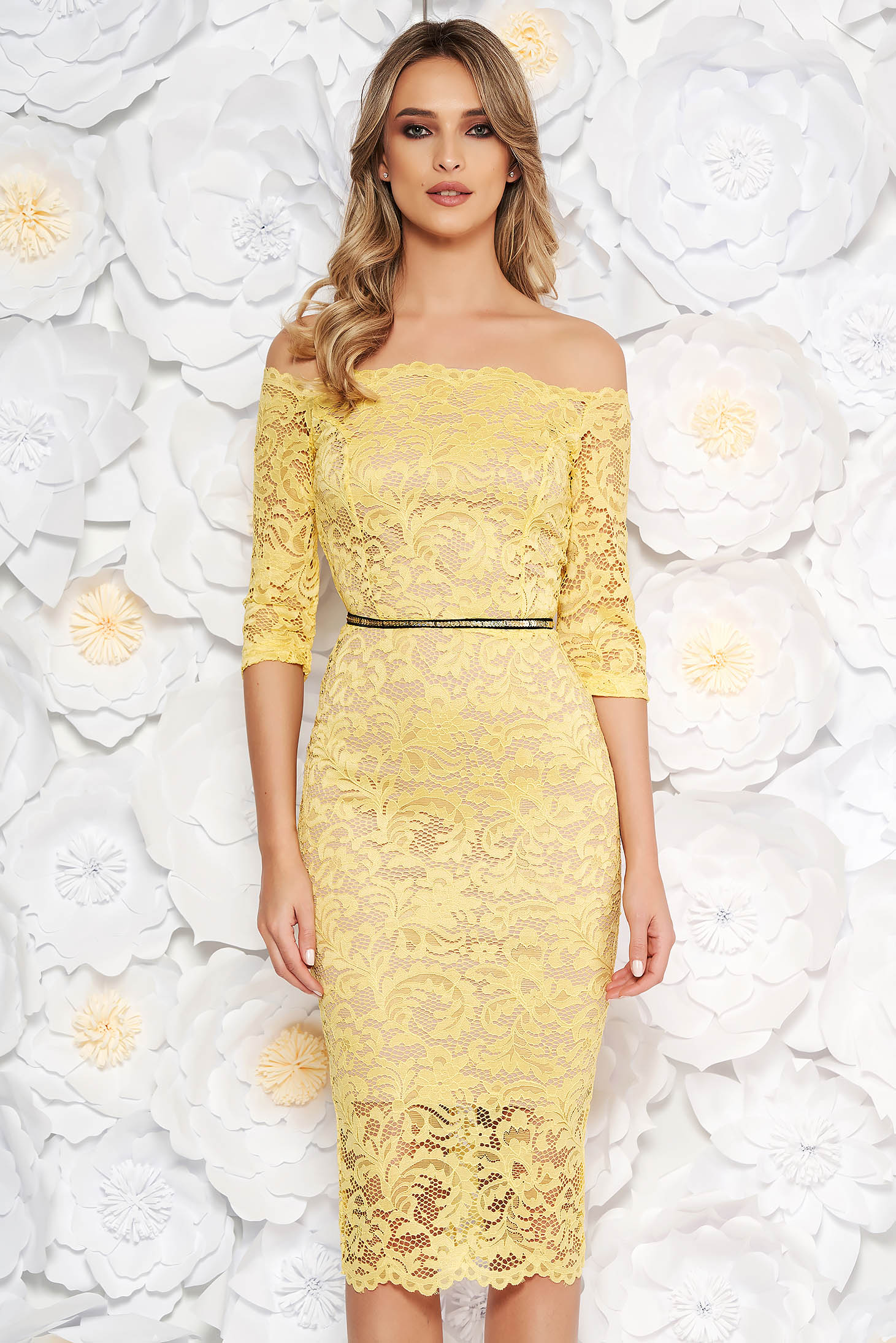 StarShinerS yellow occasional midi dress with tented cut from laced fabric with inside lining accessorized with tied waistband