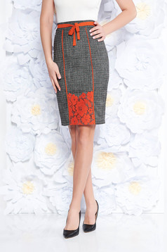 LaDonna grey elegant cloth pencil skirt with inside lining with lace details high waisted