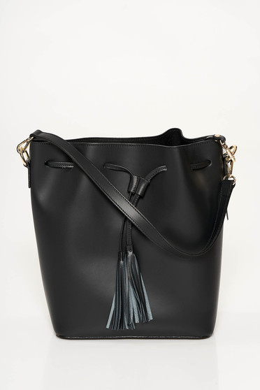 Black casual bag natural leather with tassels