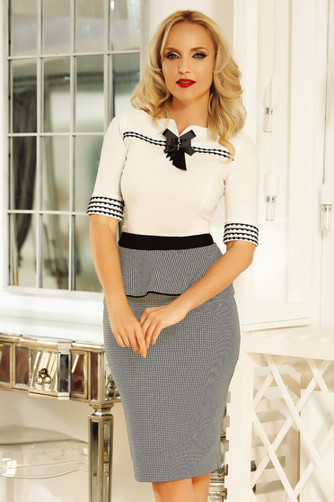 Fofy white office women`s shirt with tented cut cotton accessorized with breastpin