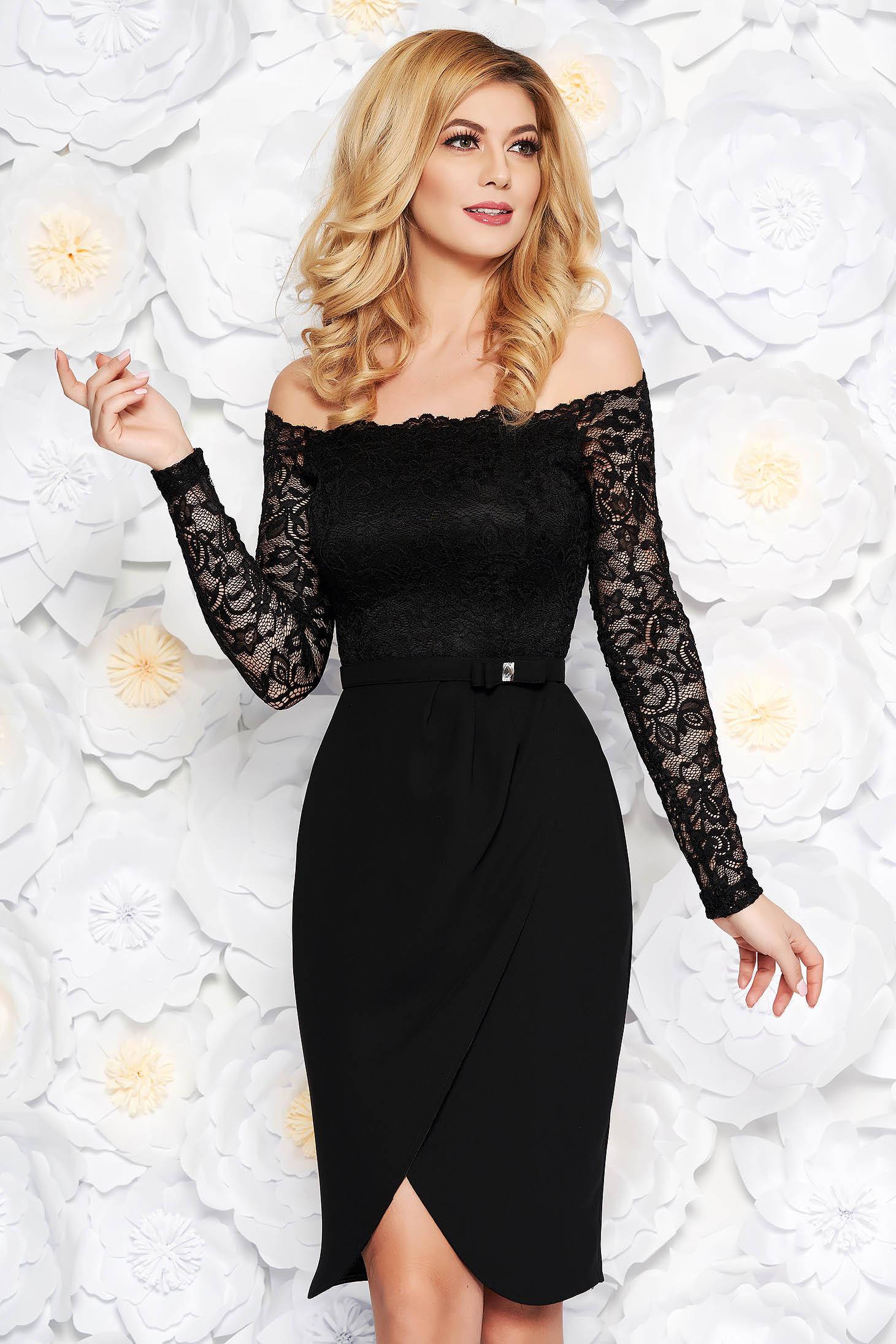 Fekete StarShinerS elegáns midi szövettel ruha csipkés anyagból övvel ellátva