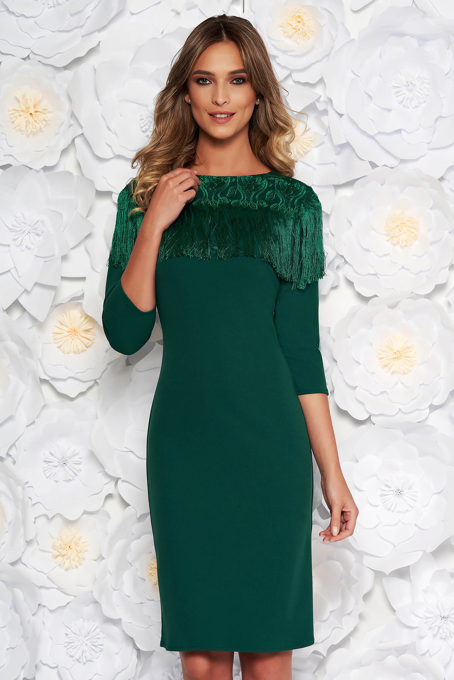 Green elegant midi pencil dress slightly elastic fabric fringes with lace details