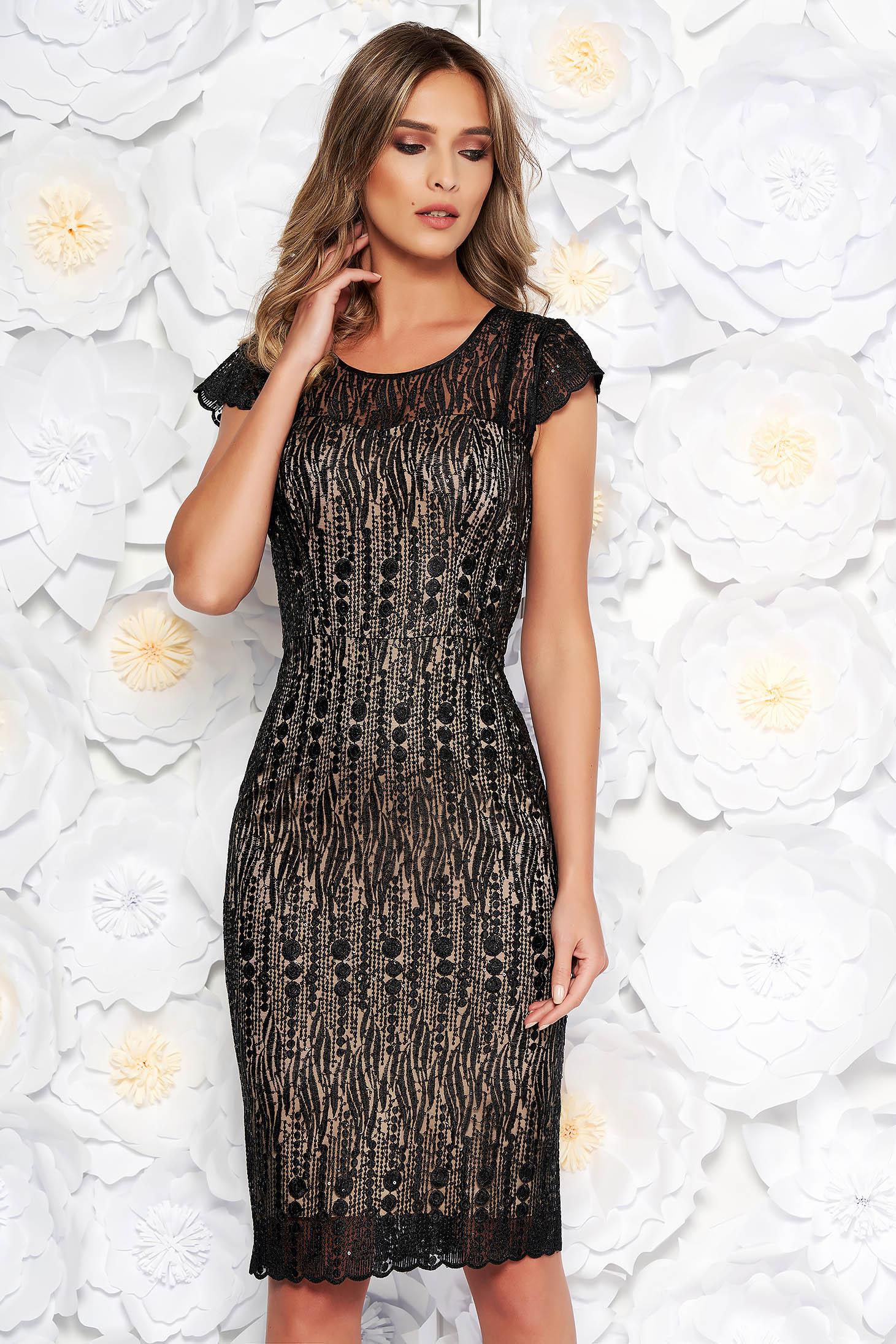 Fekete alkalmi midi ruha szűk szabás csipkés anyagból belső béléssel flitteres díszítés
