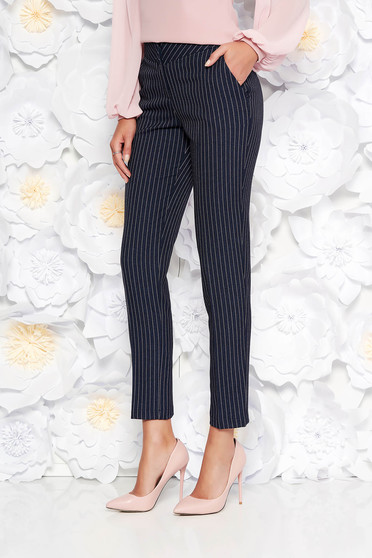 Black office trousers conical from non elastic fabric with pockets with medium waist