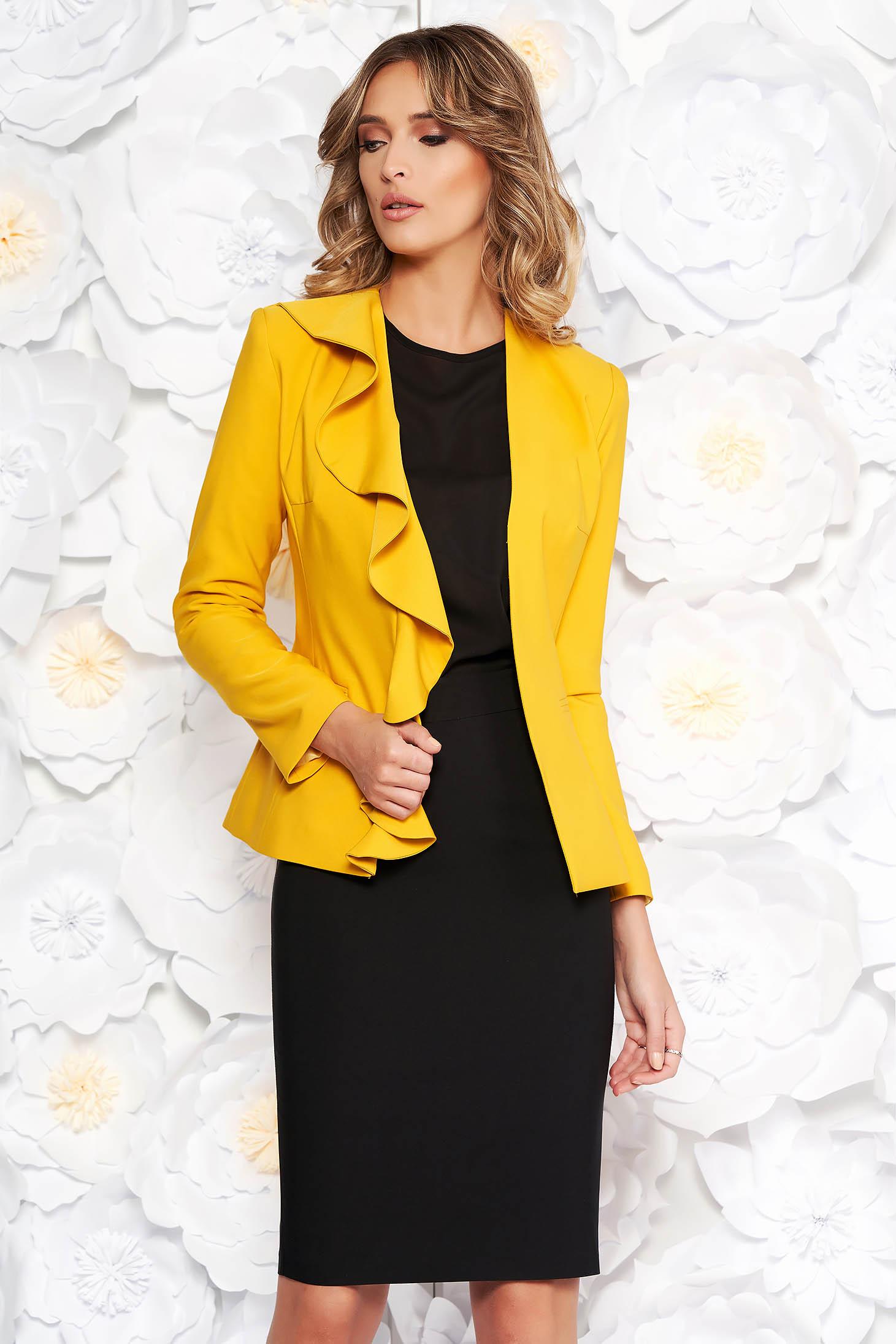 a0d7c30d9a Sárga LaDonna elegáns női kosztüm enyhén elasztikus szövet belső béléssel  fodros