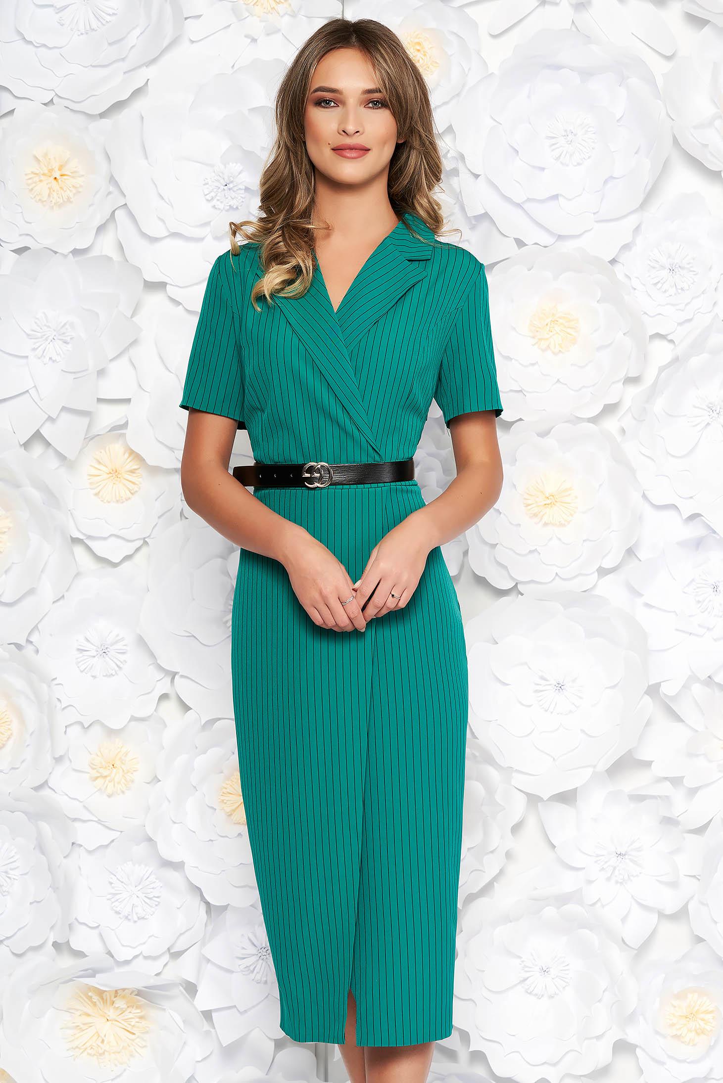 Rochie verde de zi midi cu un croi mulat din stofa subtire usor elastica cu accesoriu tip curea