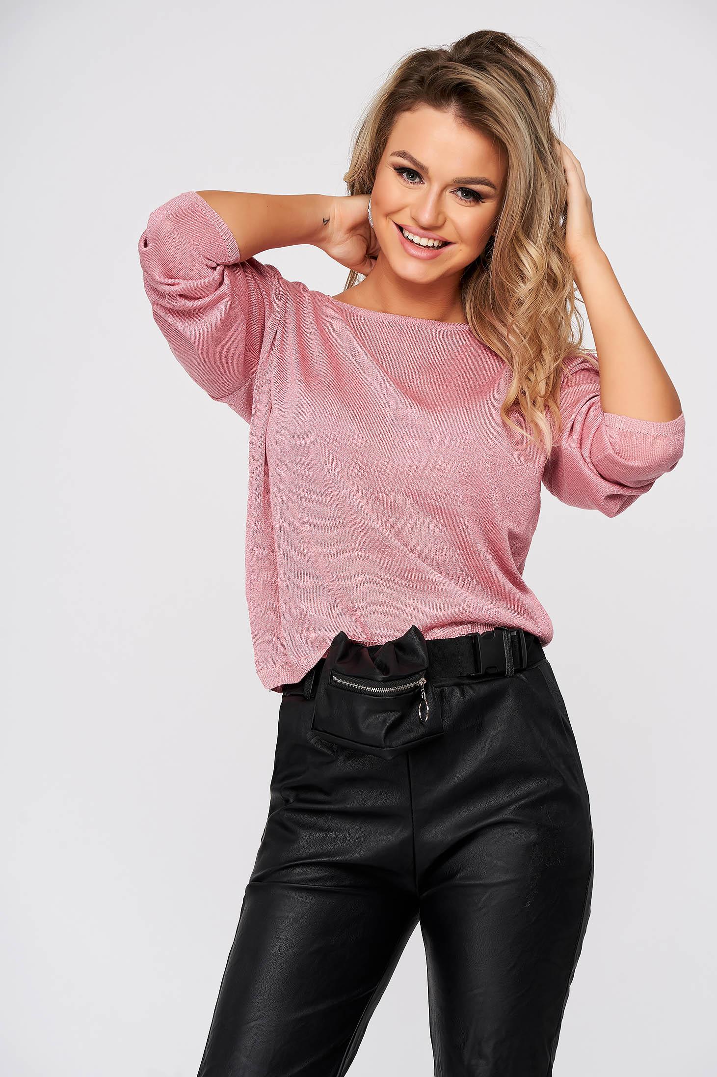 Világos rózsaszínű pulóver casual bő szabású kötött kivágott hátrésszel