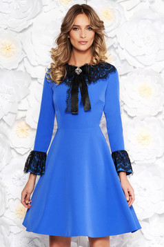 Blue elegant cloche dress slightly elastic fabric with inside lining with lace details