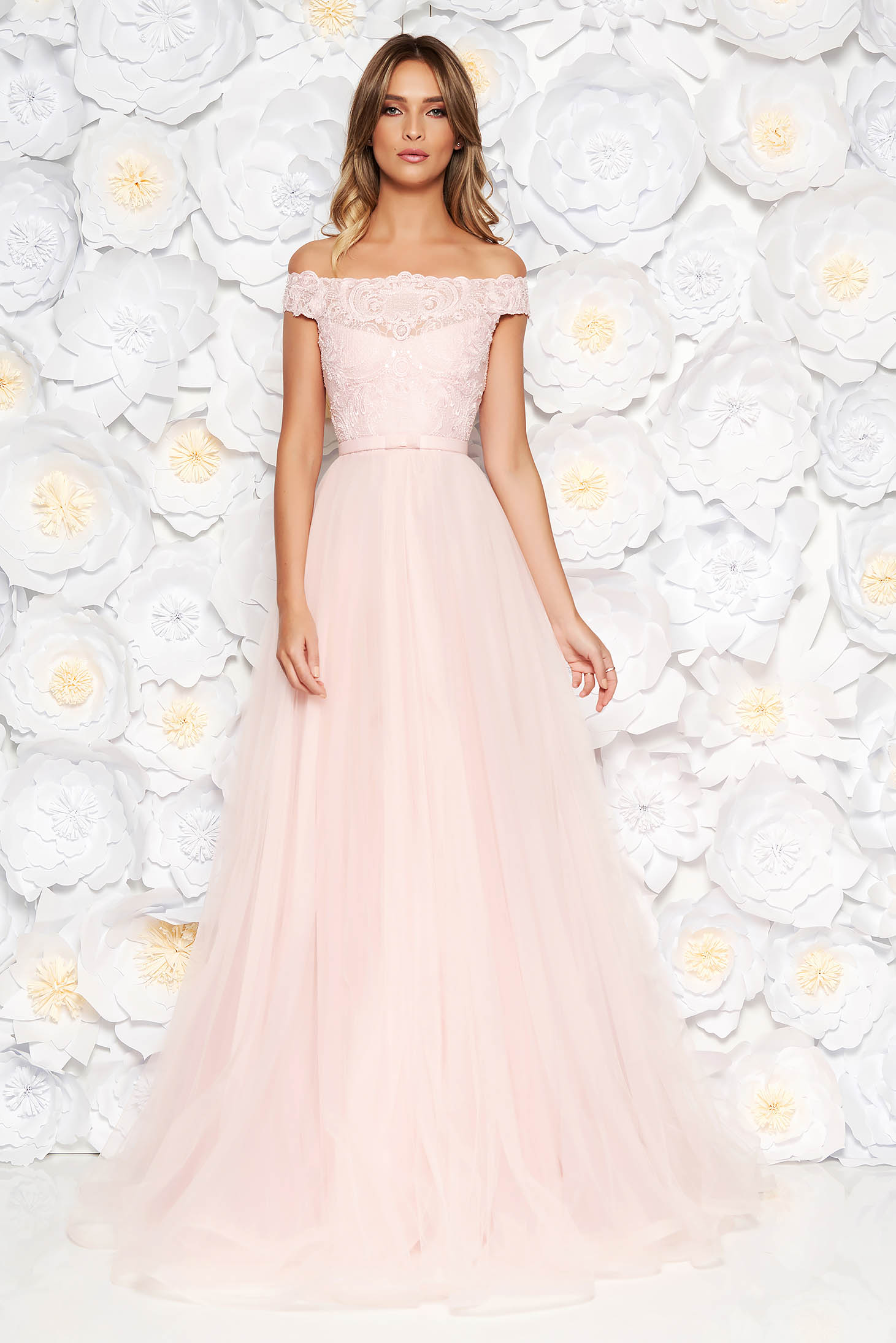Ana Radu lightpink luxurious cloche dress from tulle and laced fabric with inside lining accessorized with tied waistband