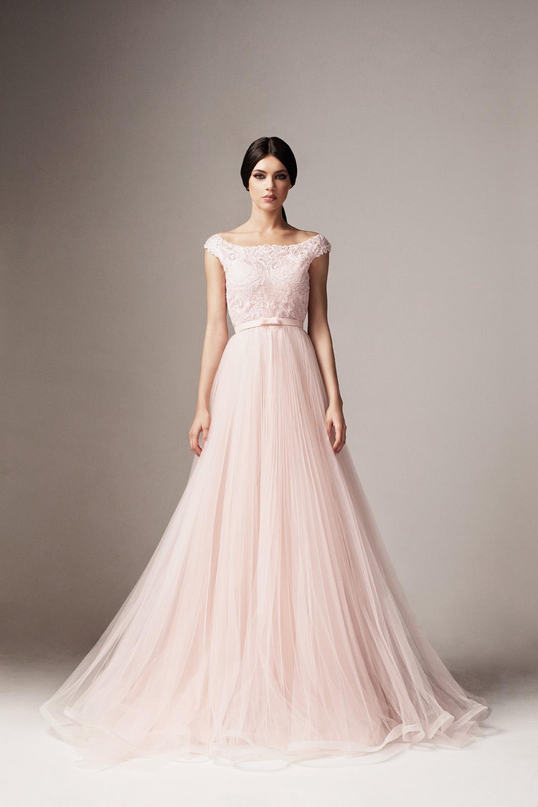 7466caf644 Világos rózsaszín Ana Radu harang ruha tüll és csipkés anyag belső béléssel  övvel ellátva