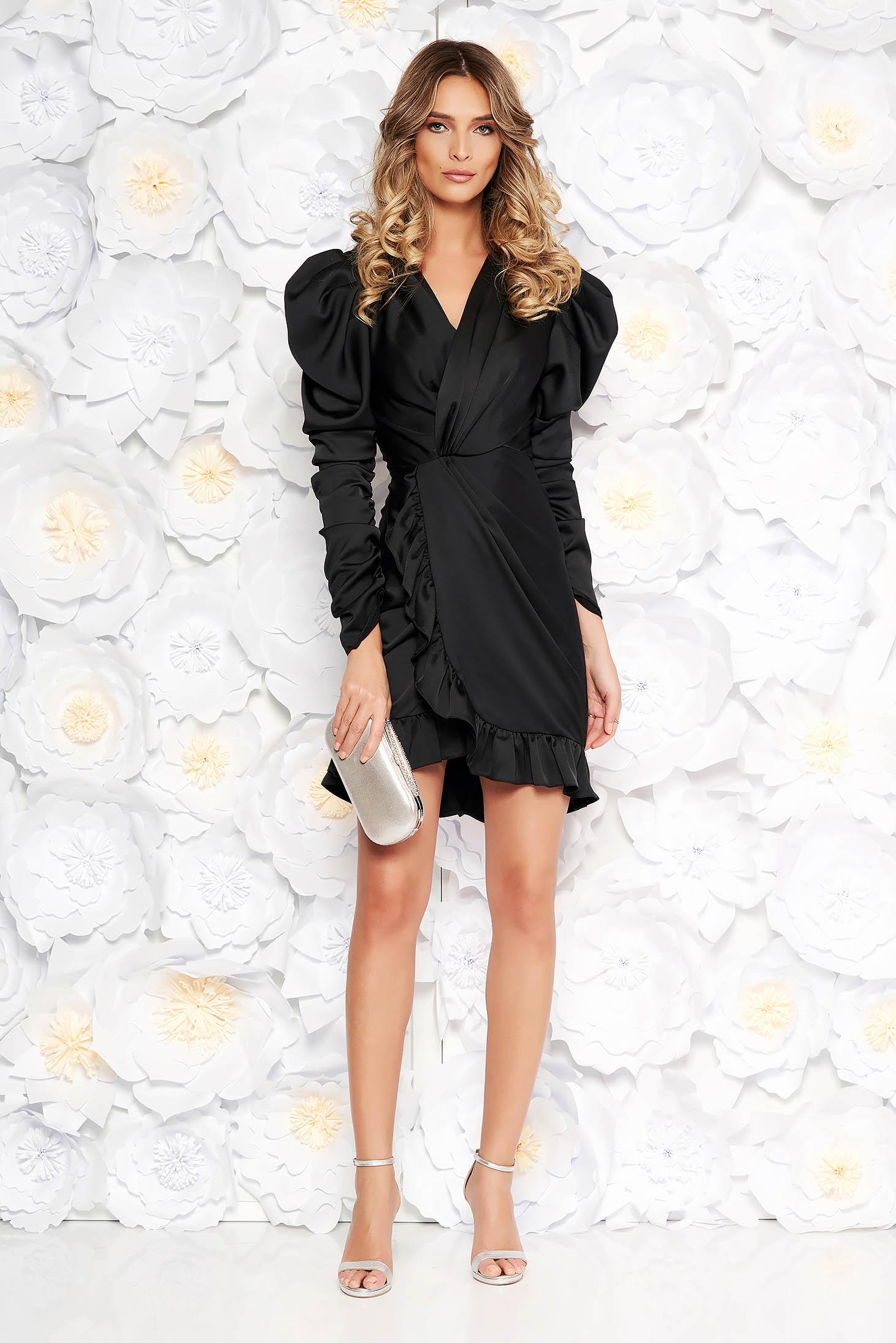 eeca4a7484 Fekete Ana Radu ruha szűk szabás szatén anyagból v-dekoltázzsal fodrok a  ruha alján