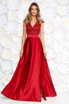 Artista burgundy occasional cloche dress with v-neckline with push-up cups from satin and laced fabric