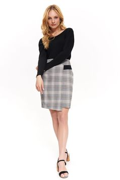 Top Secret black office skirt straight high waisted from non elastic fabric with chequers