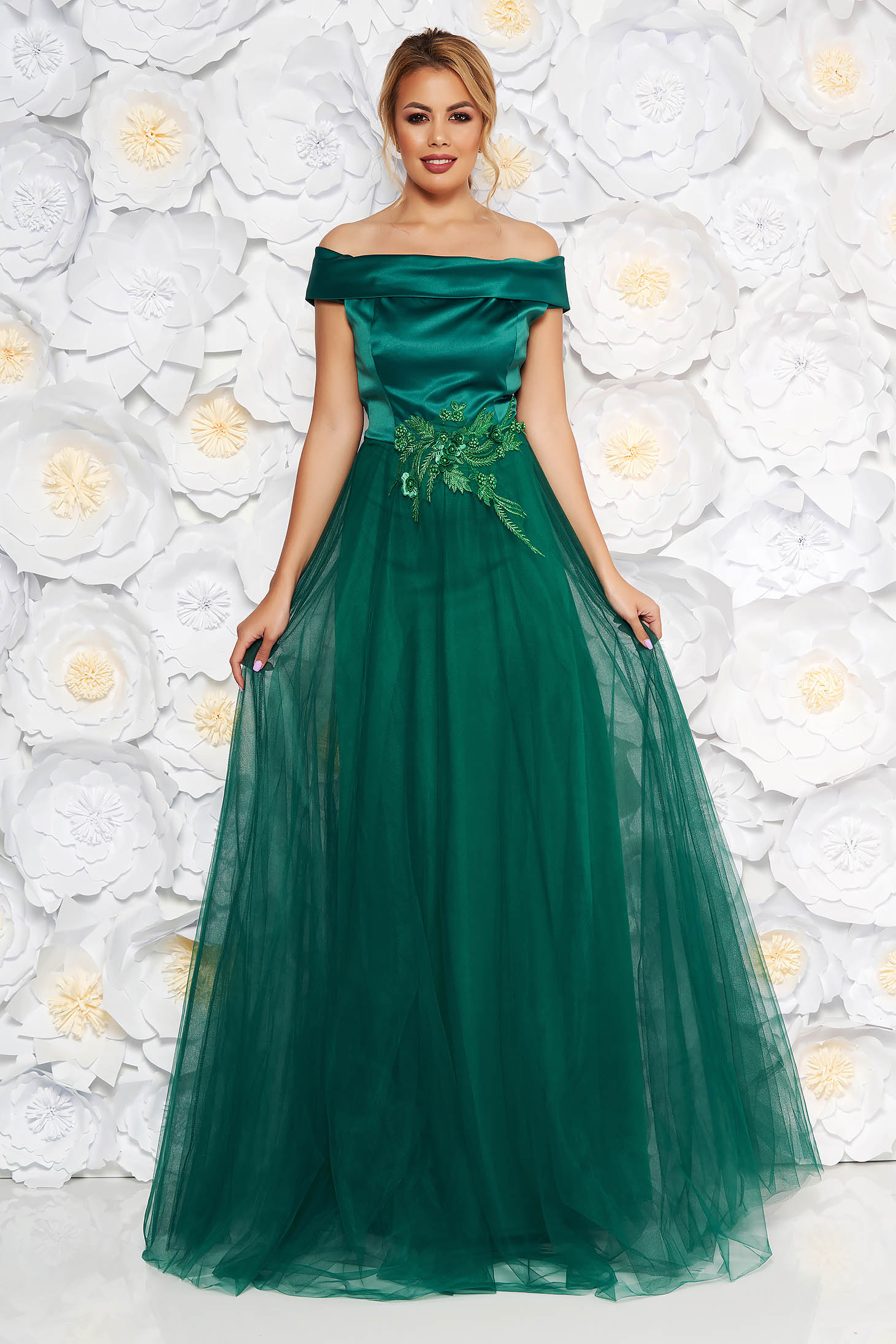 Artista darkgreen occasional dress from tulle from satin fabric texture with lace details with pearls with inside lining