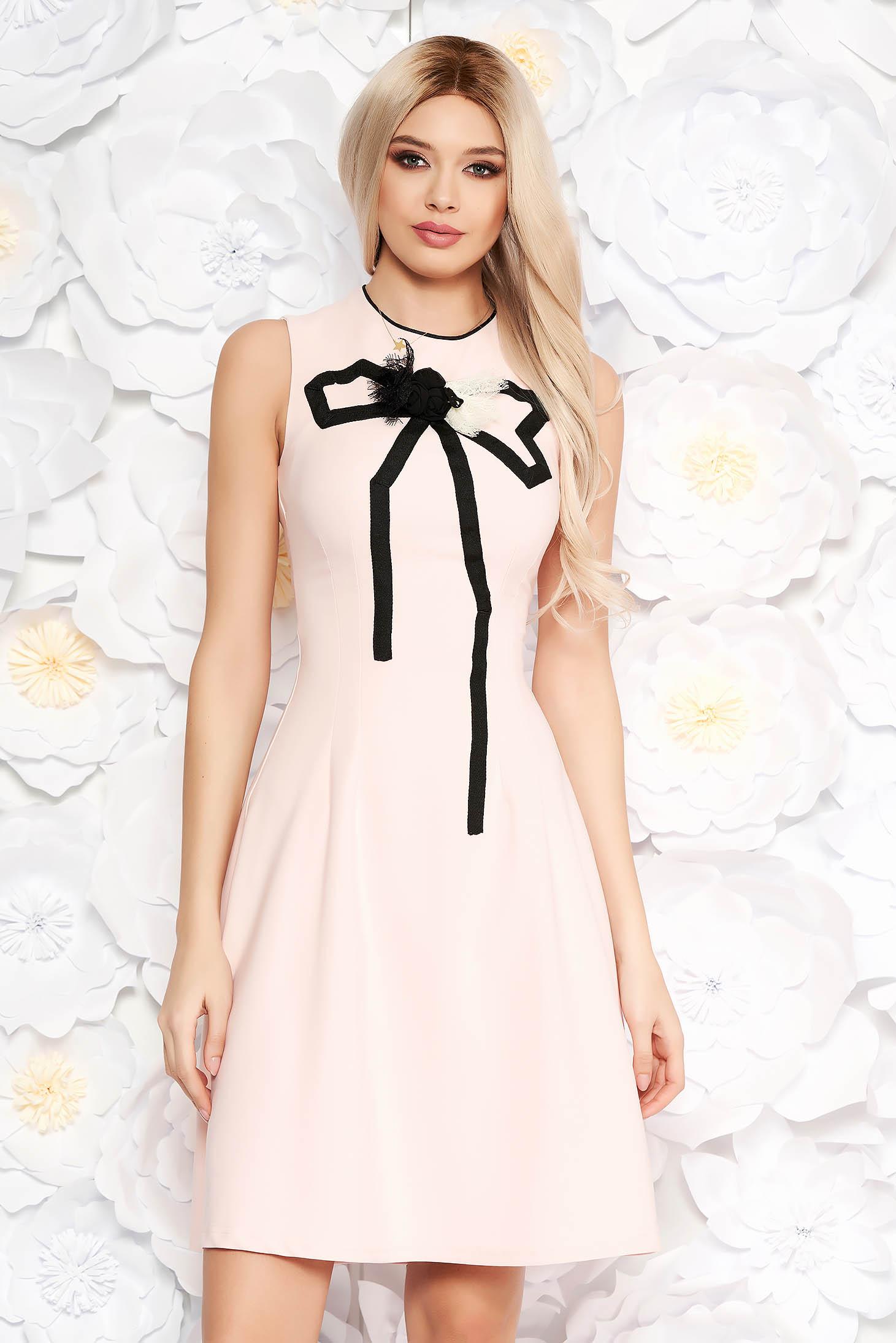 Világos rózsaszín Artista elegáns harang ruha enyhén rugalmas anyag kézzel varrott díszítésekk