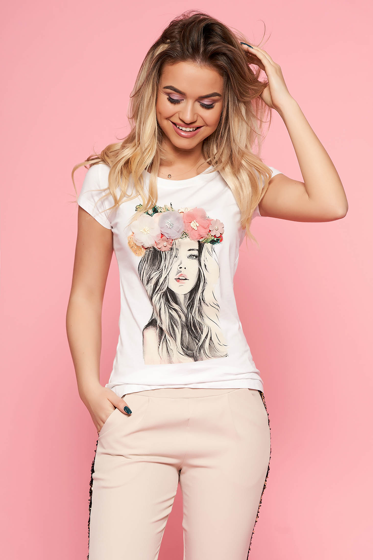 SunShine white t-shirt casual slightly elastic cotton with tented cut with floral details with 3d effect