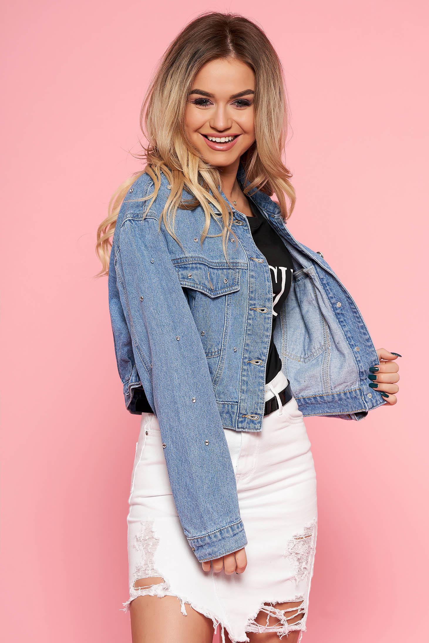 Rövid kék SunShine dzseki casual farmerarnyagból strassz köves díszítéssel elől zsebekkel