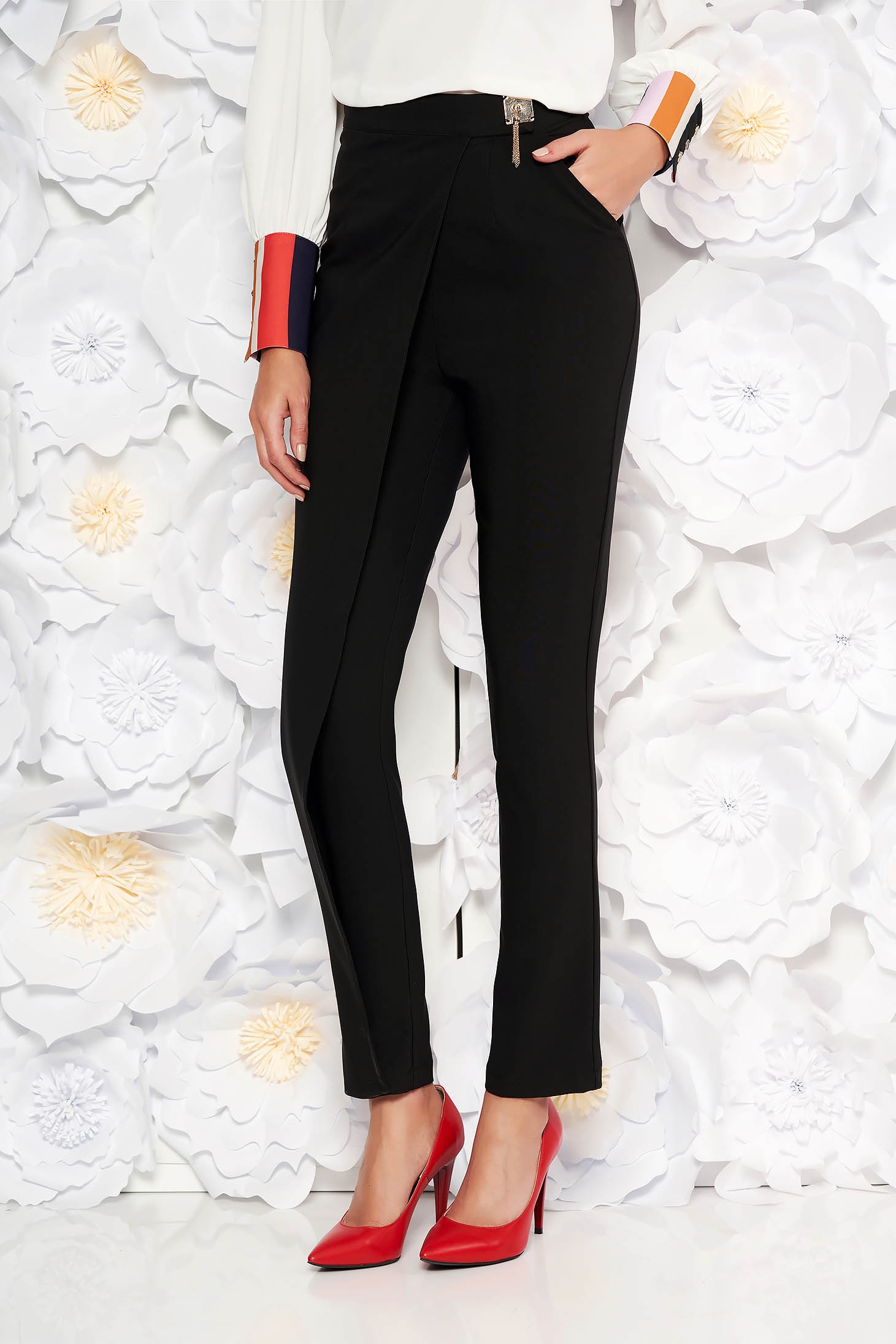 PrettyGirl black elegant high waisted trousers slightly elastic fabric with metalic accessory