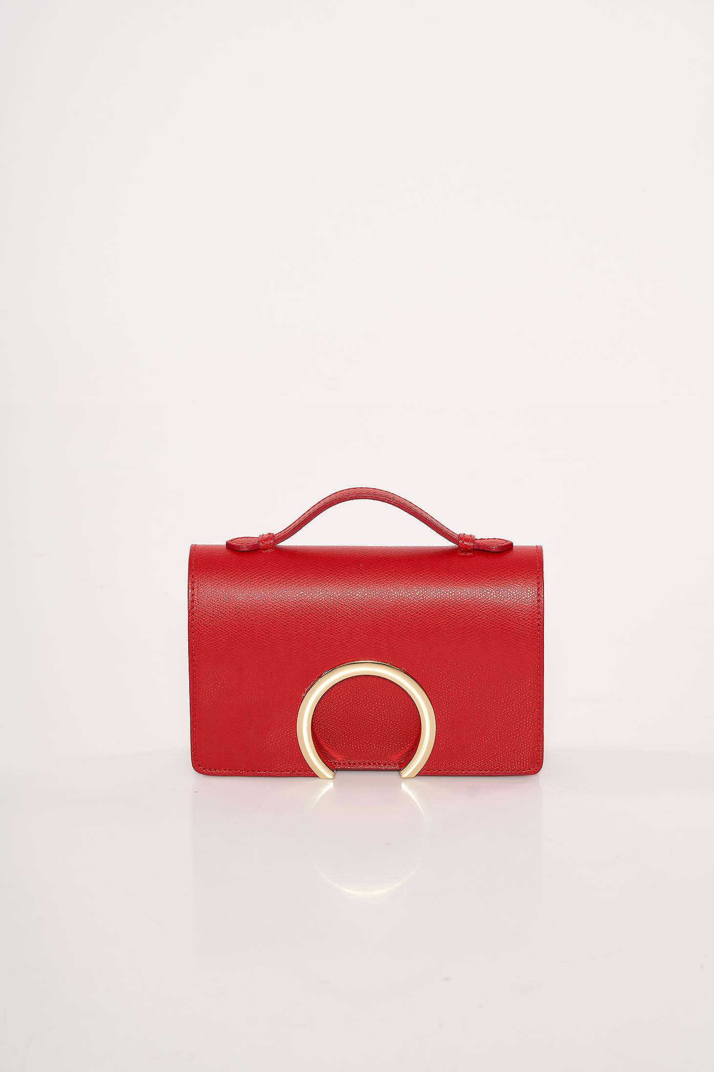 Piros alkalmi bőr táska fémes kiegészítő