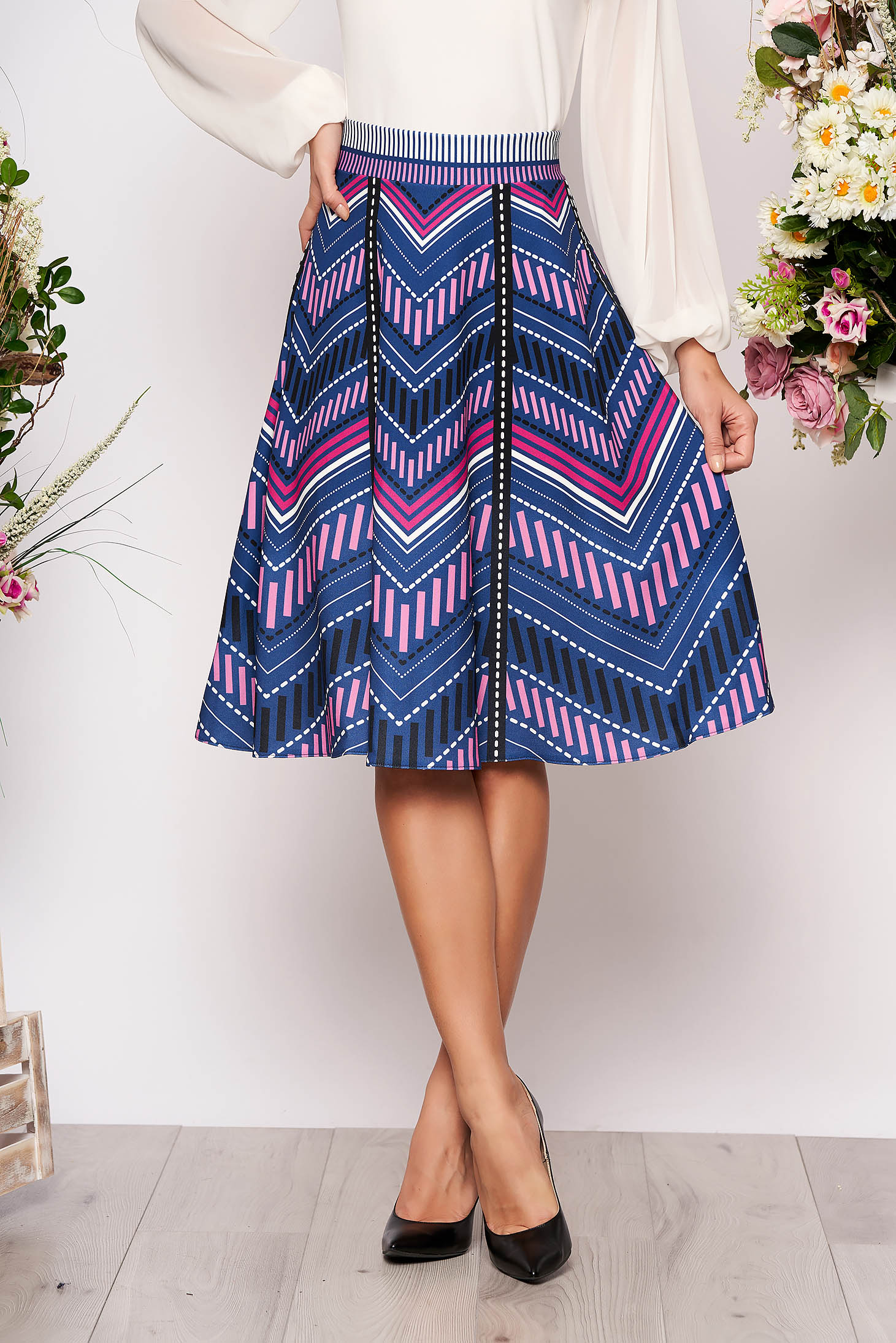 StarShinerS blue midi high waisted cloche skirt with geometrical print