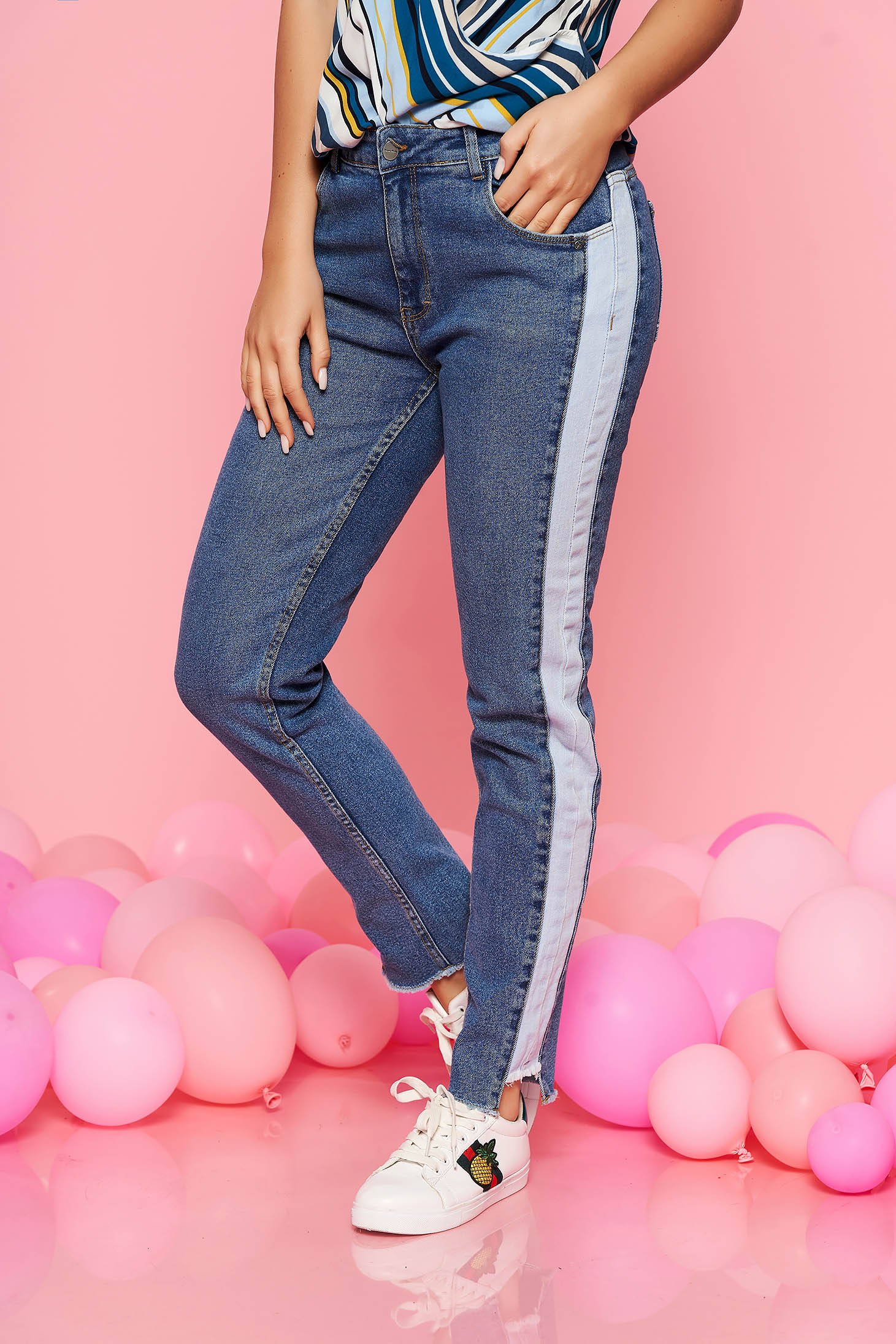 Top Secret blue trousers conical with medium waist denim