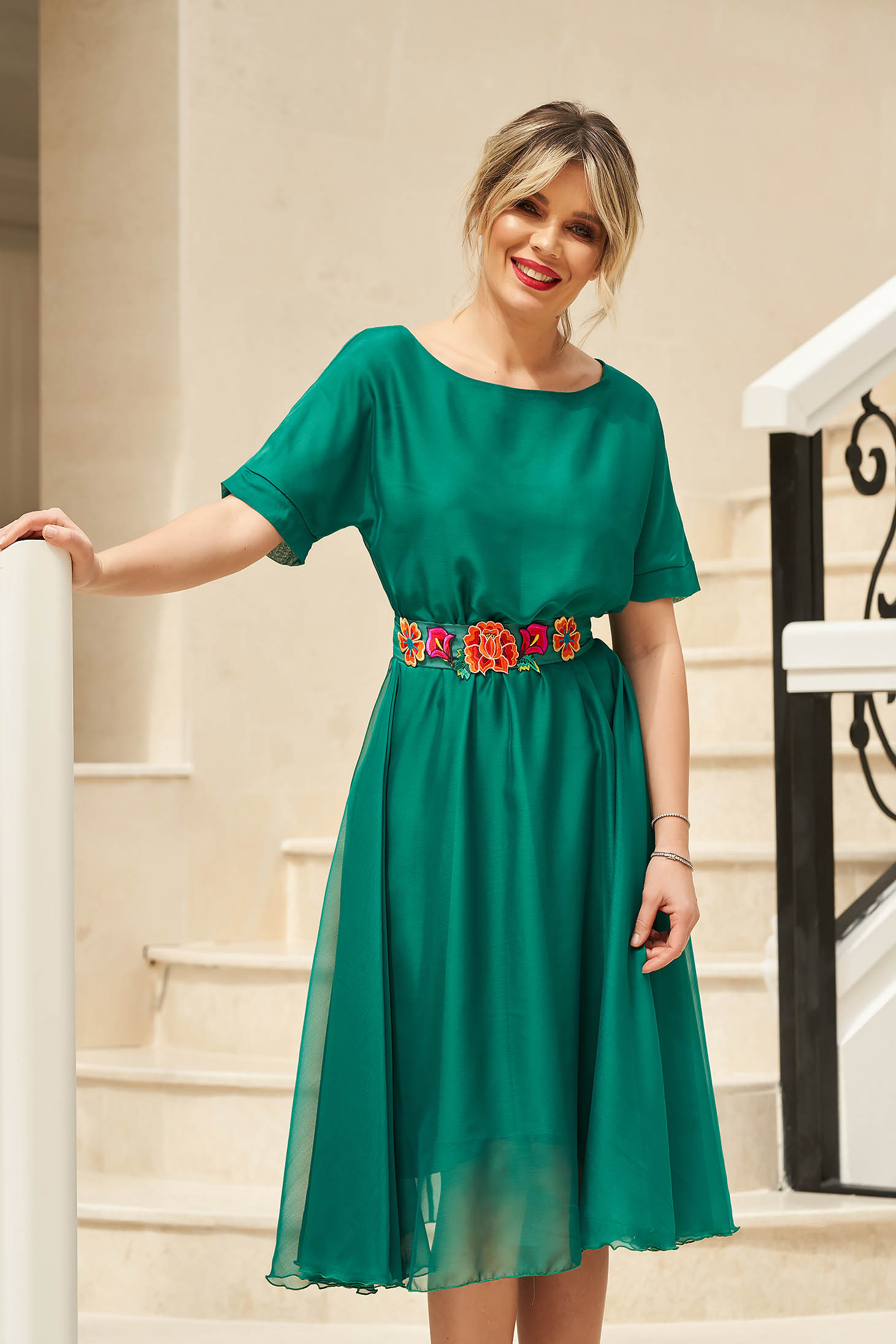 StarShinerS green occasional cloche dress with elastic waist accessorized with tied waistband