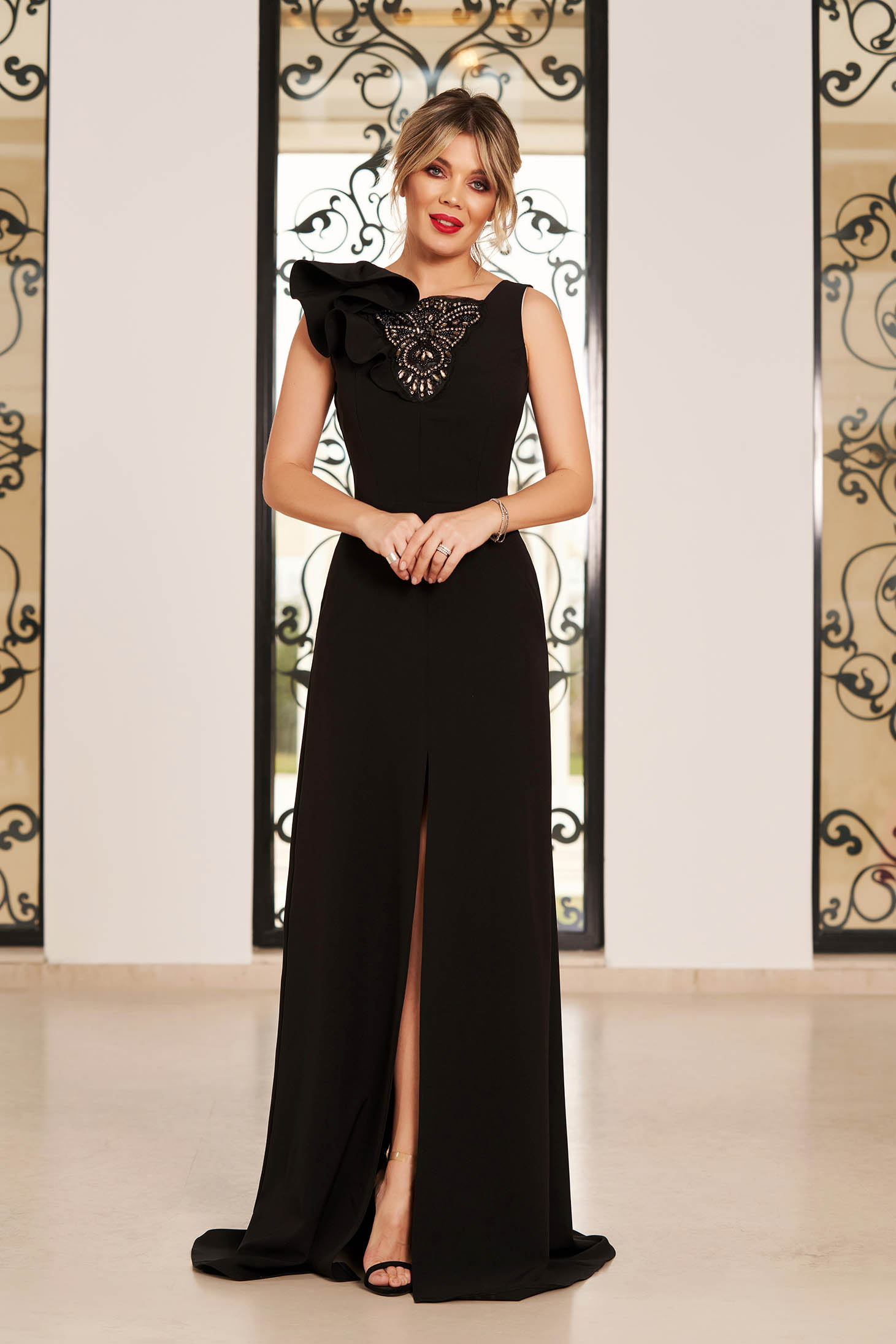 StarShinerS black luxurious long cloth dress with strass and ruffled sleeves