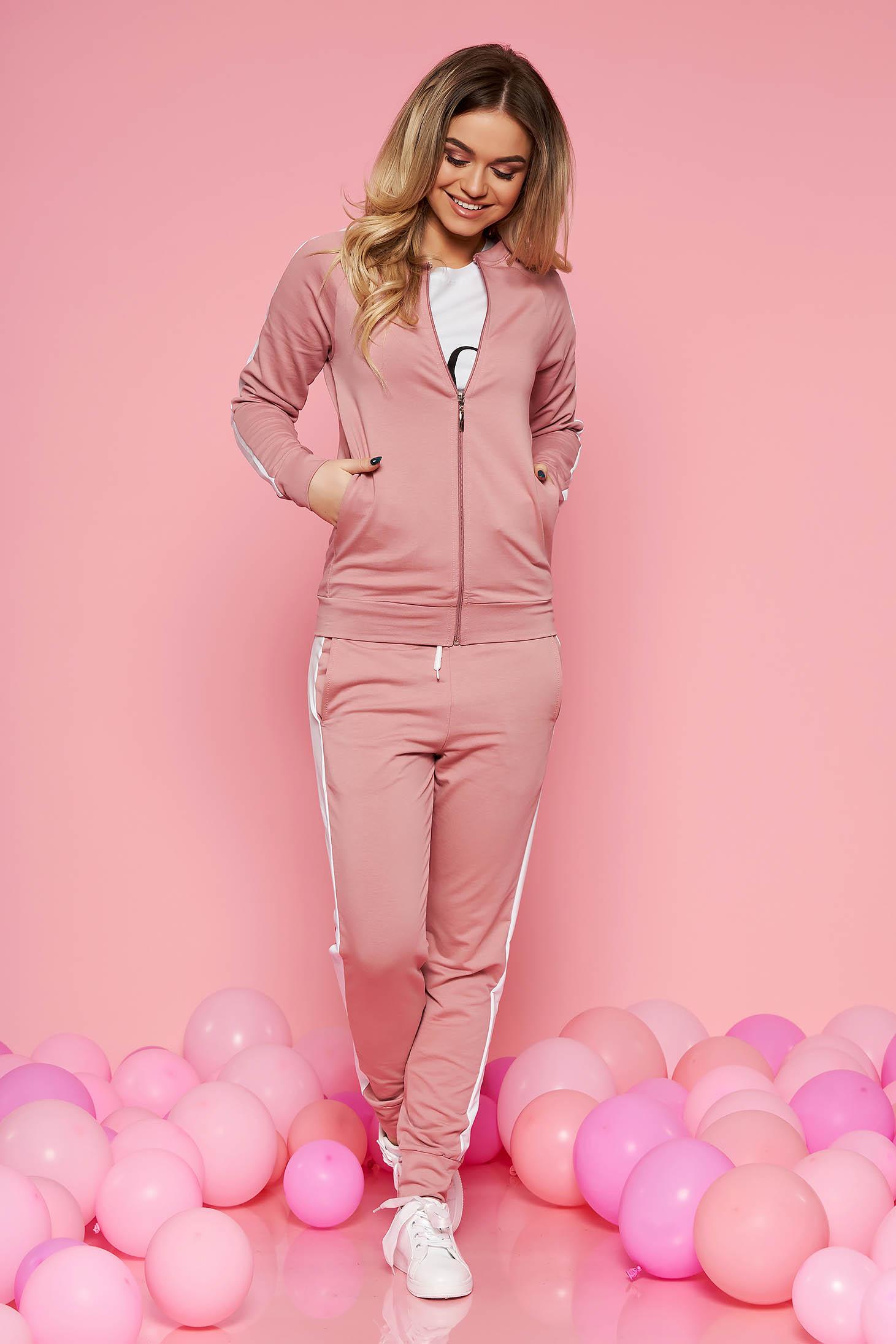 Púder rózsaszínű sportos szett enyhén elasztikus pamutból szűk szabású középmagas és gumírozott derekú