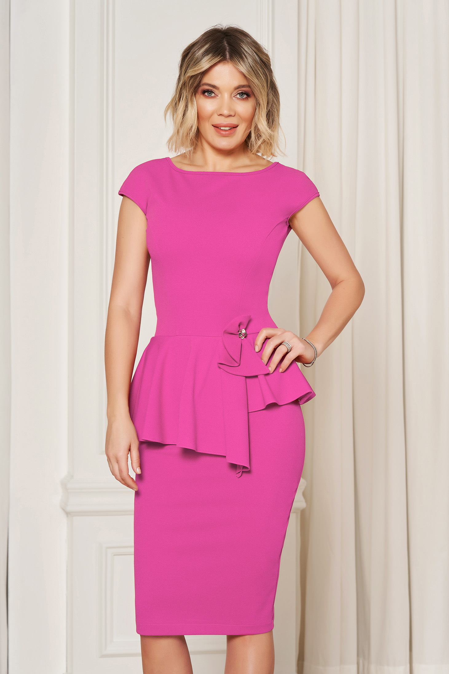 StarShinerS pink elegant pencil dress with tented cut with frilled waist