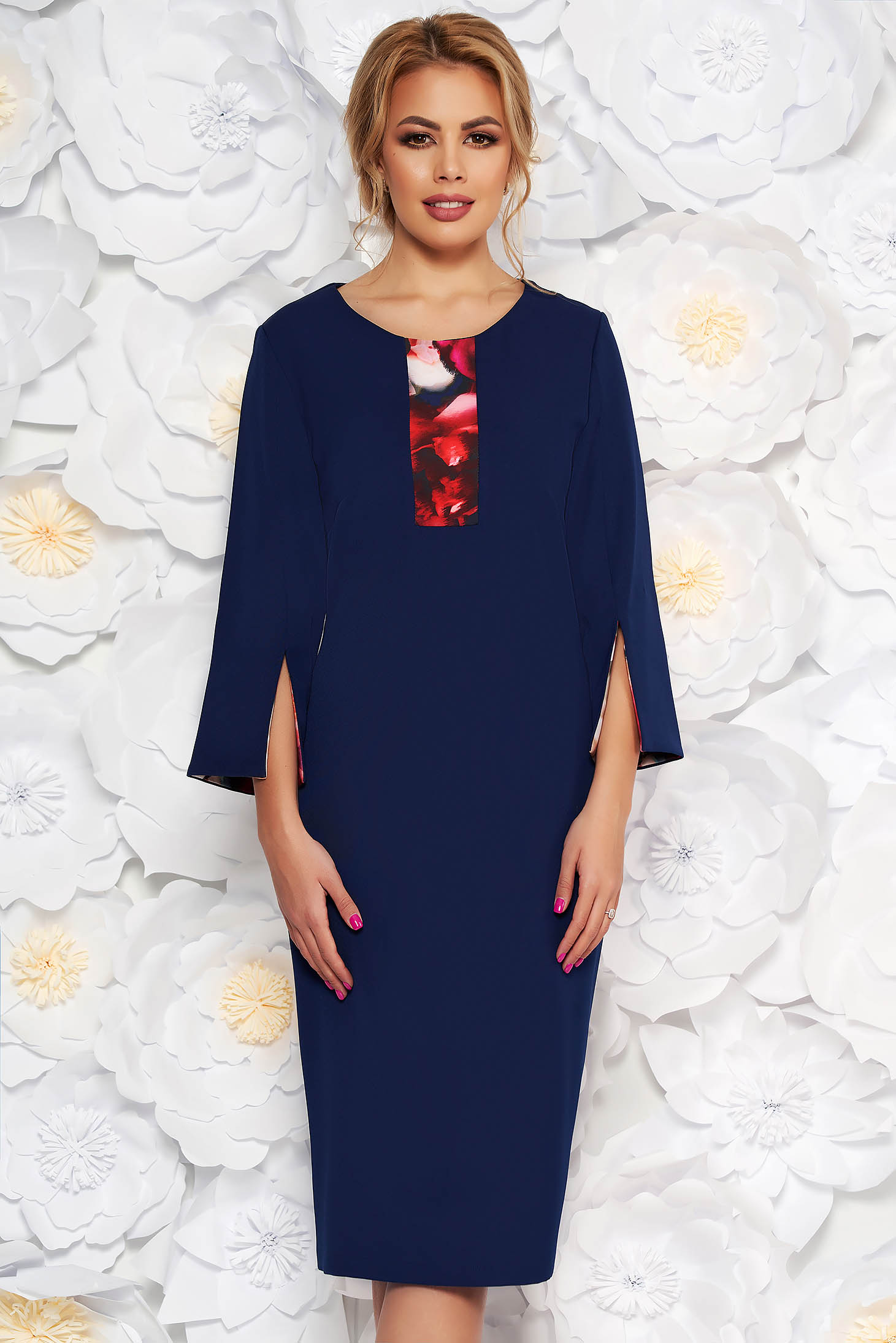 Rochie albastru-inchis eleganta tip creion cu maneca 3/4 din stofa subtire usor elastica