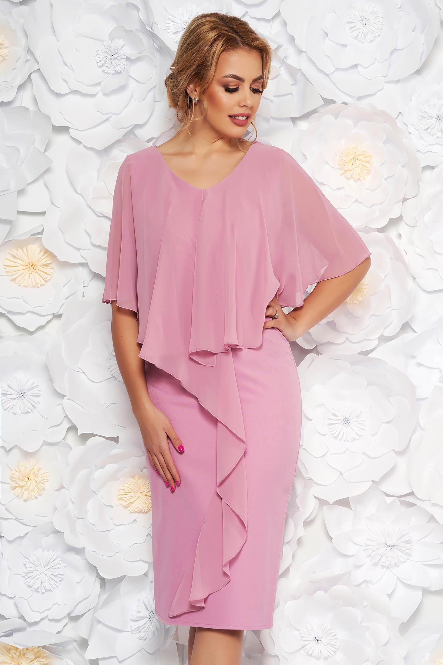 Rochie roz deschis de ocazie midi fara maneci cu un croi cambrat din stofa subtire usor elastica suprapunere cu voal