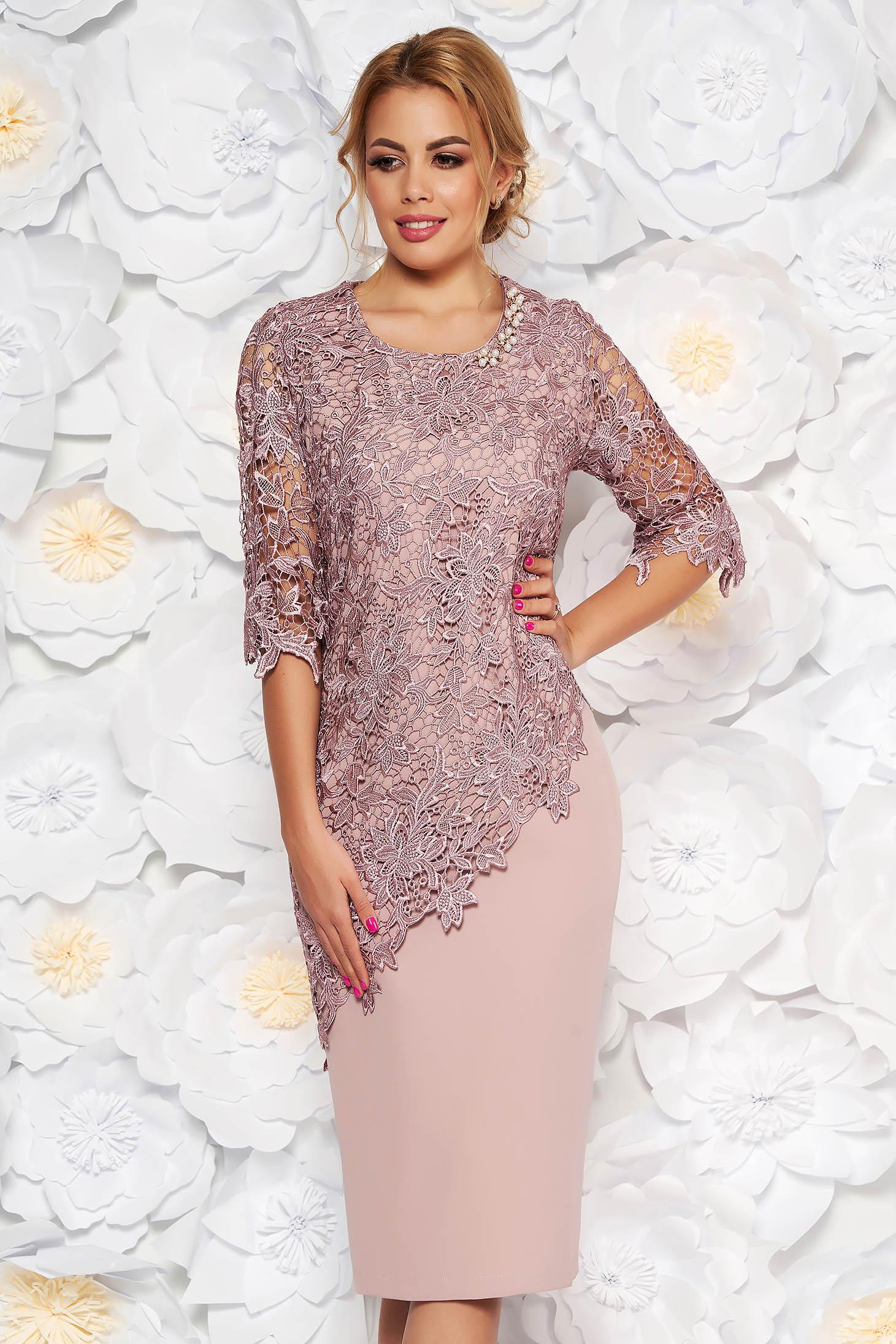 7f21f6275 Rózsaszínű alkalmi midi ruha 3/4-es ujjakkal szűk szabás enyhén elasztikus  szövet csipkés átfedés