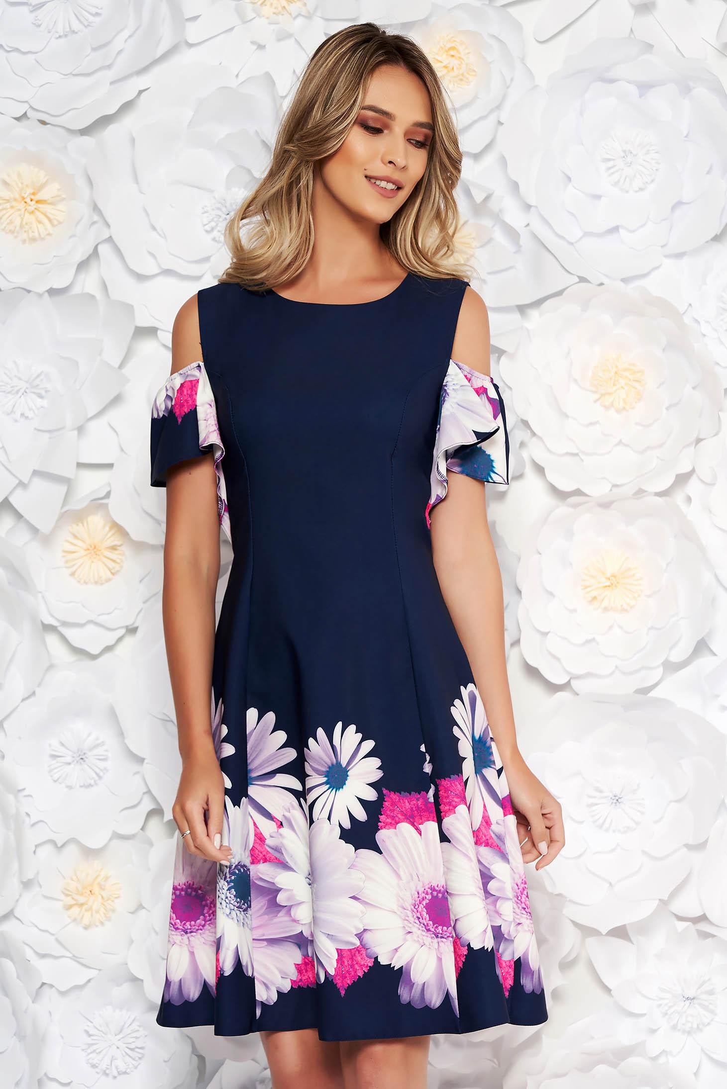 Rochie albastru-inchis eleganta cu umeri decupati cu maneca scurta in clos din stofa usor elastica