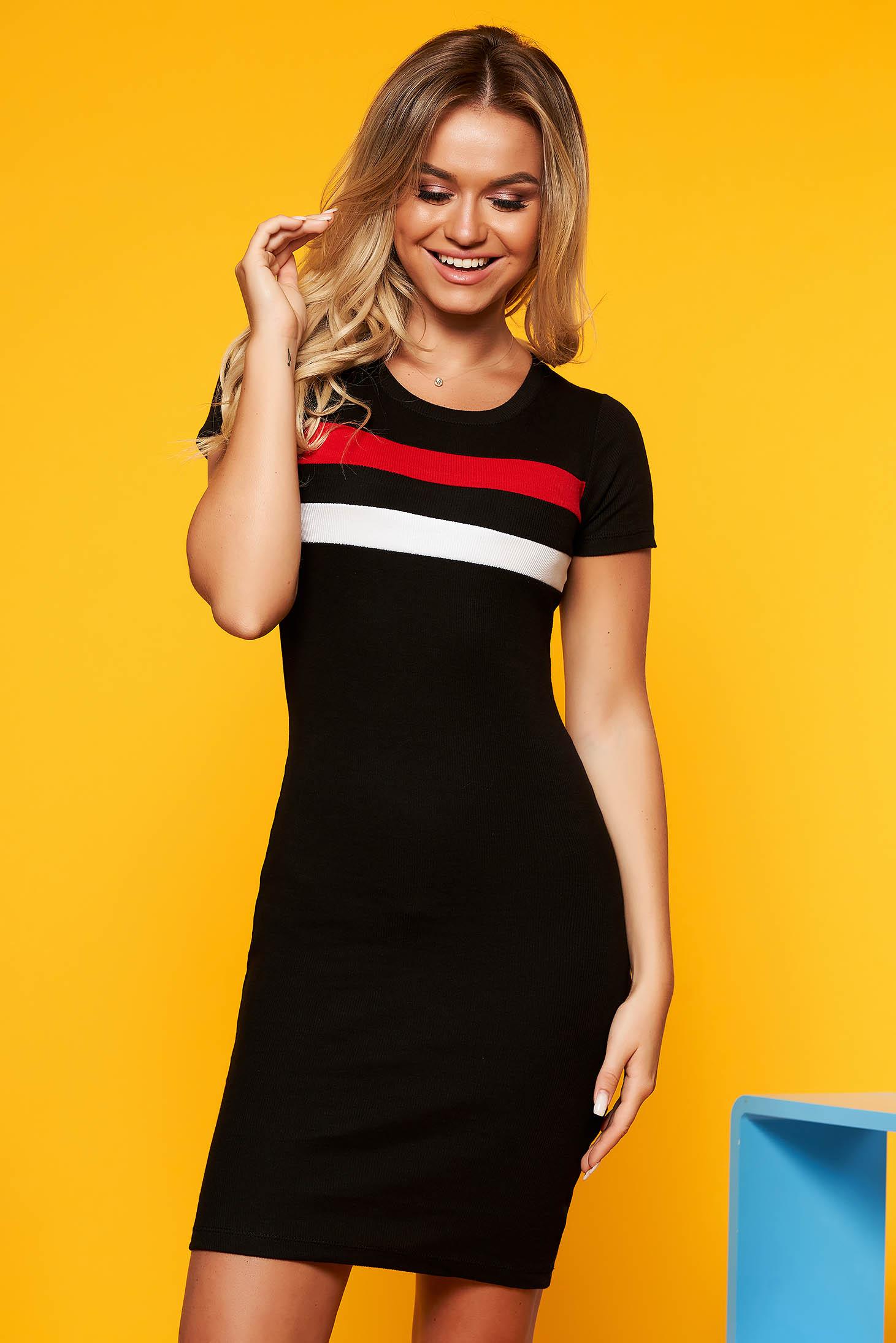 a92ea3a9a9 Fekete SunShine casual ruha szűk szabás rövid ujjú