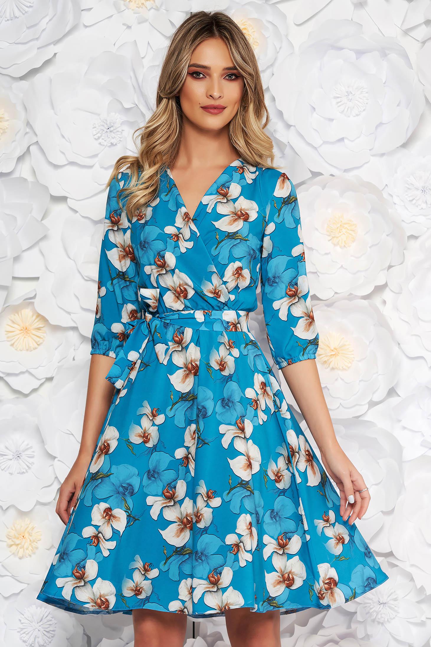 Rochie albastra StarShinerS eleganta in clos cu elastic in talie din material subtire cu imprimeu floral