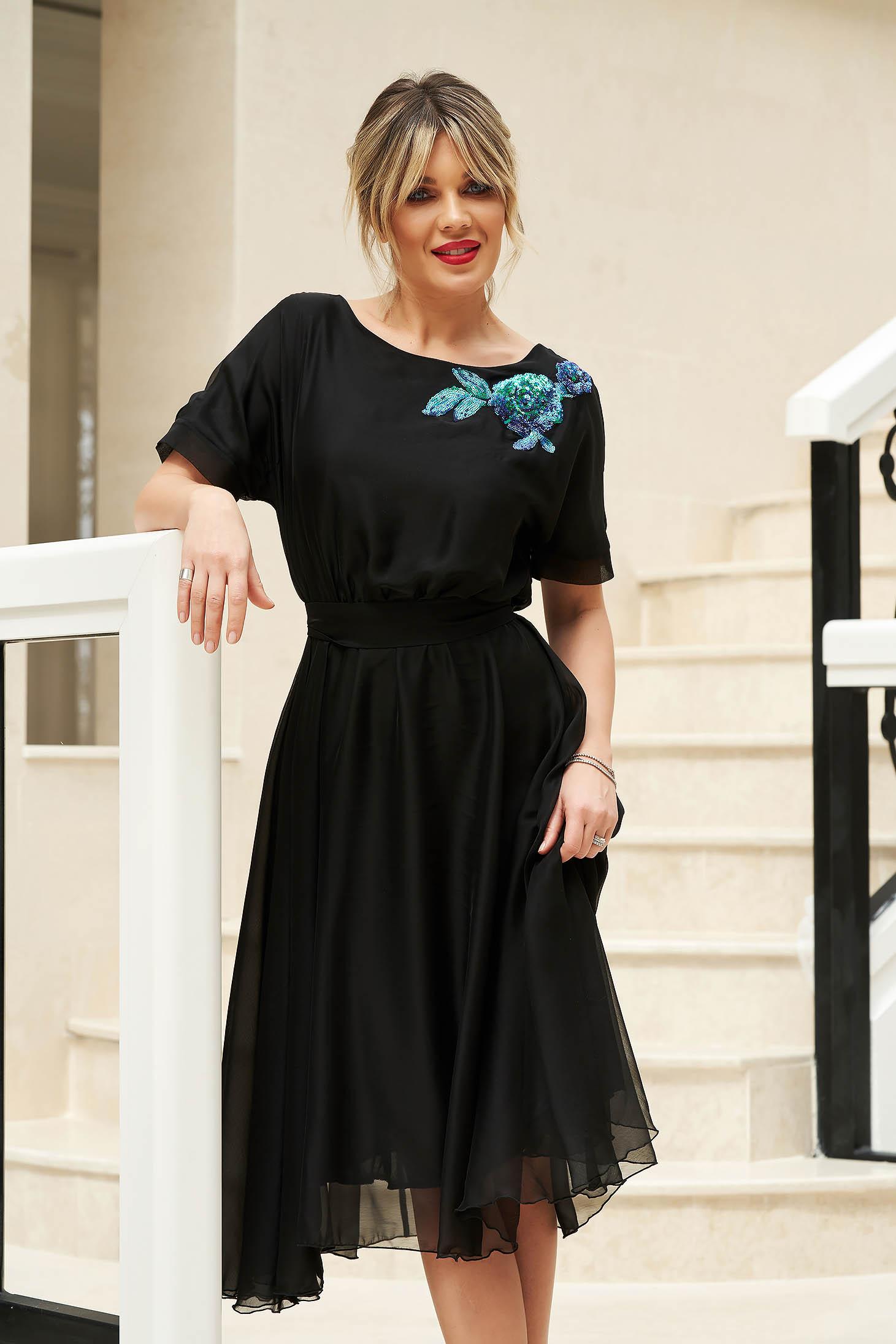 Rochie StarShinerS neagra de ocazie in clos cu elastic in talie