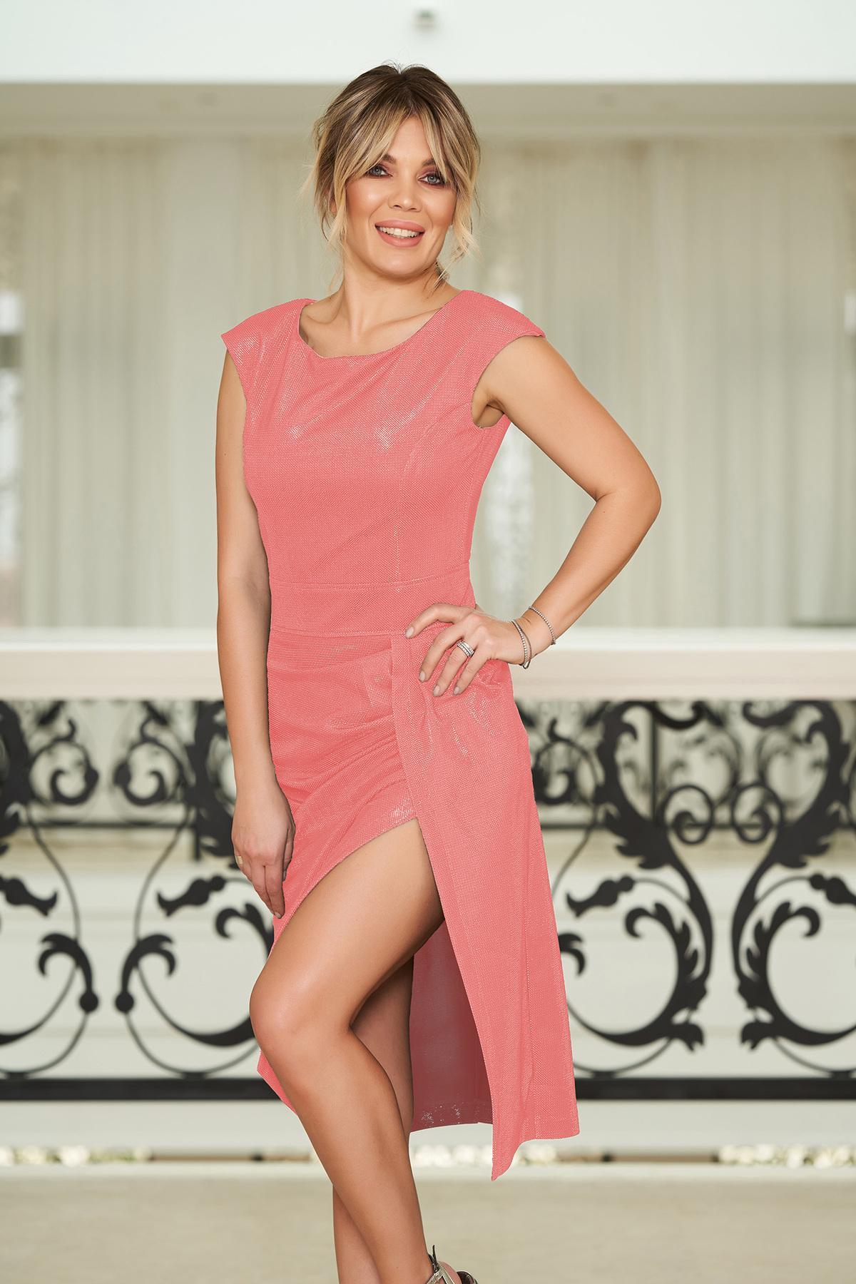 Rochie StarShinerS rosa de ocazie cu un croi mulat material stralucitor captusita pe interior