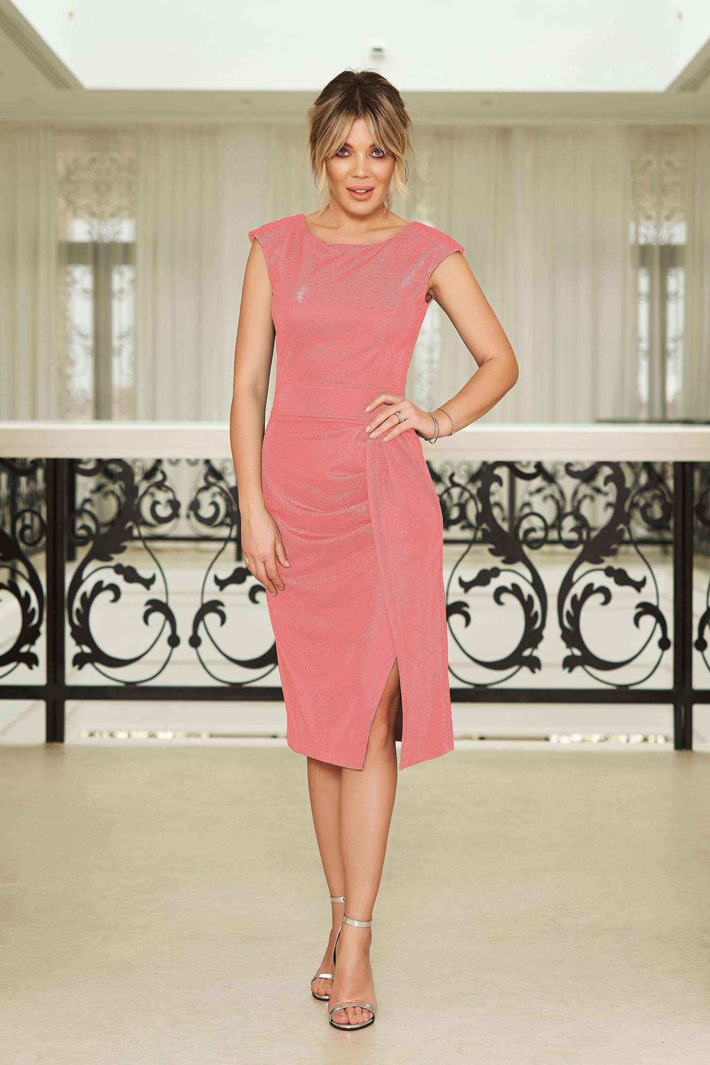 9957e1412a Rózsaszínű StarShinerS alkalmi szűk szabású ruha fényes anyagból belső  béléssel